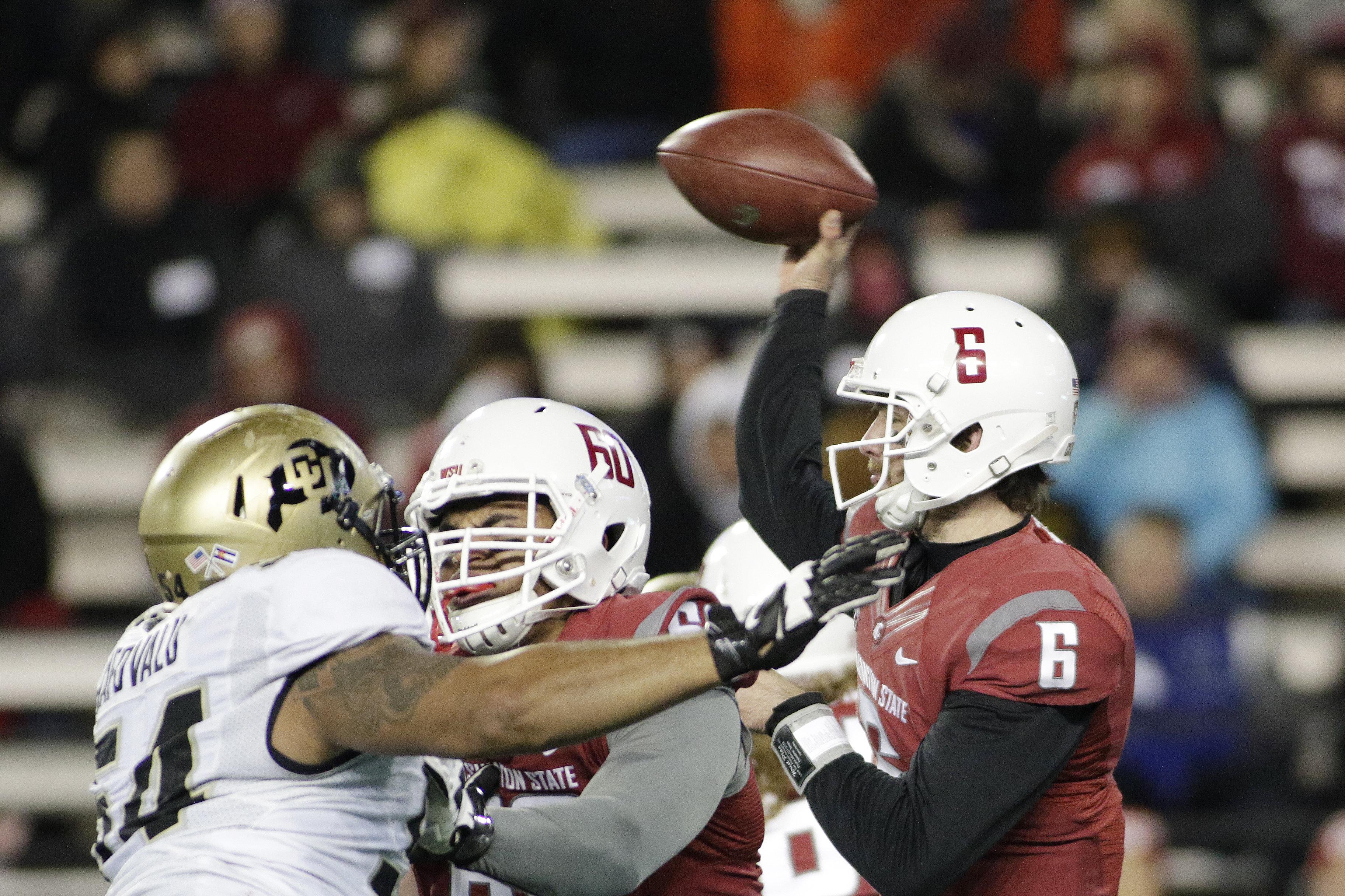 Washington State quarterback Peyton Bender (6) throws a pass during the second half of an NCAA college football game against Colorado, Saturday, Nov. 21, 2015, in Pullman, Wash. Washington State won 27-3. (AP Photo/Young Kwak)