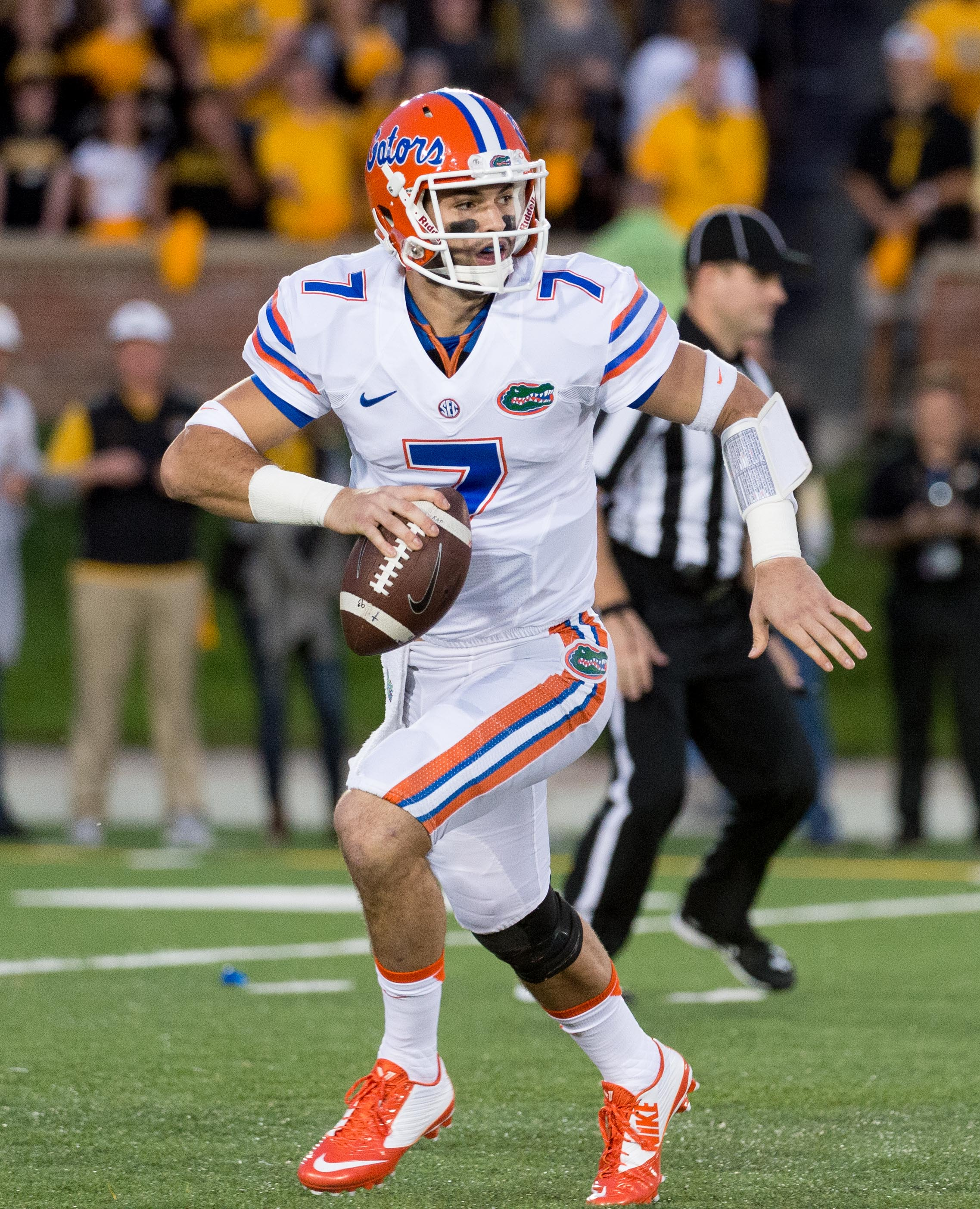 Florida quarterback Will Grier looks for an open receiver during the first quarter of an NCAA college football game against Missouri, Saturday, Oct. 10 2015, in Columbia, Mo.  (AP Photo/L.G. Patterson)