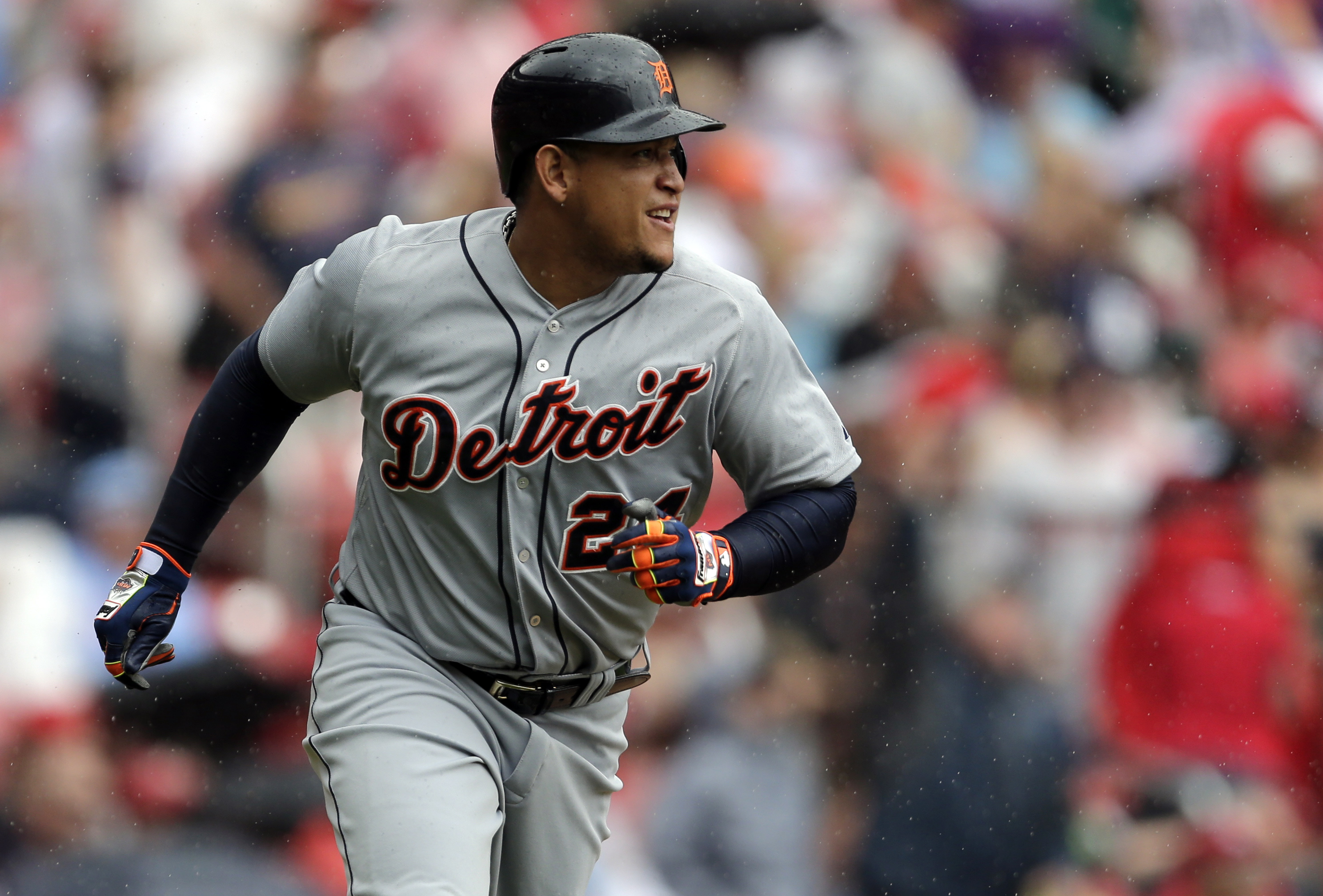 Detroit Tigers' Miguel Cabrera rounds the bases after hitting a solo home run during the first inning of a baseball game against the St. Louis Cardinals, Saturday, May 16, 2015, in St. Louis. (AP Photo/Jeff Roberson)