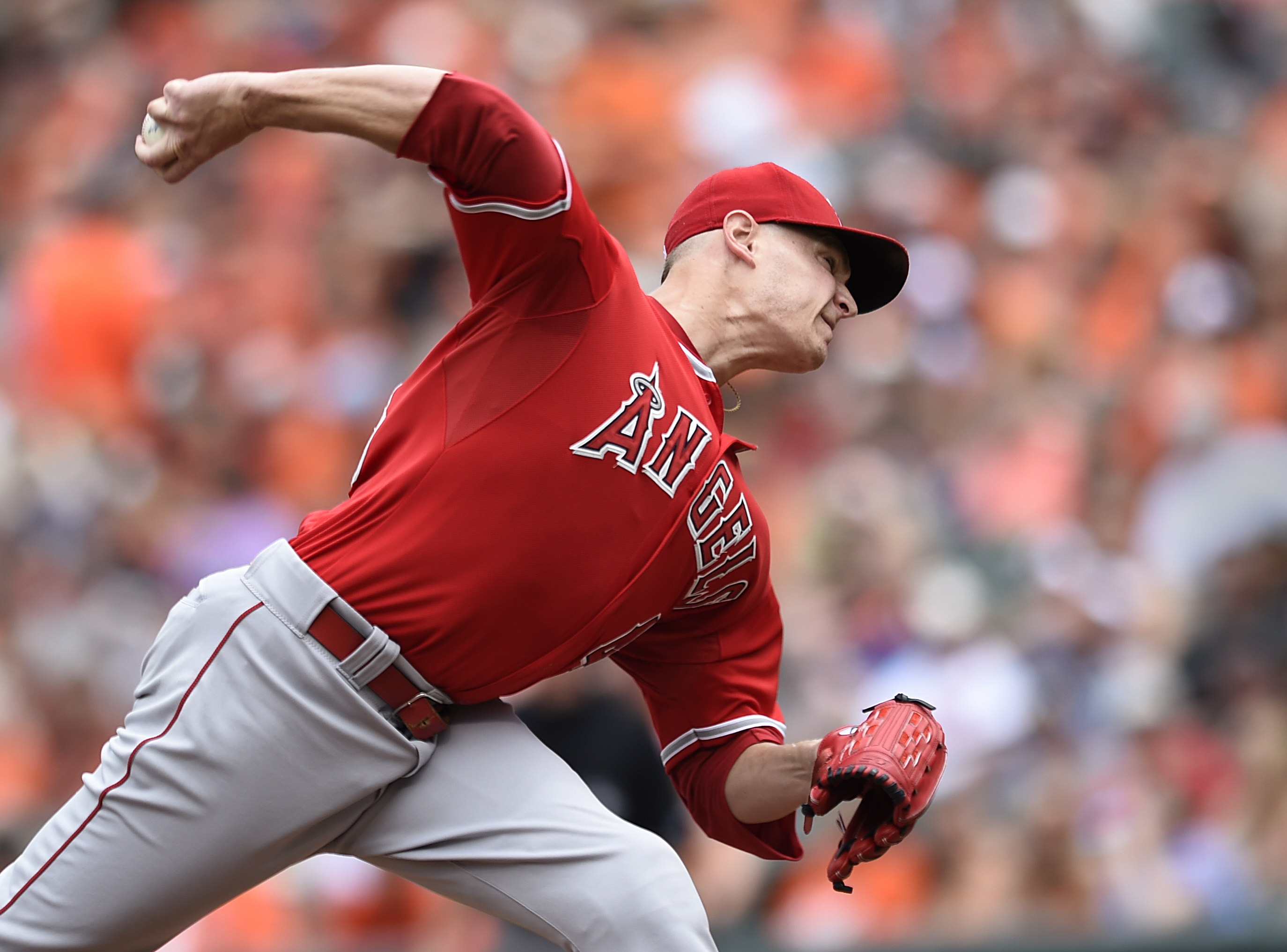 Los Angeles Angels starting pitcher Garrett Richards throws against the Baltimore Orioles in the first inning of a baseball game Sunday, May 17, 2015, in Baltimore. (AP Photo/Gail Burton)