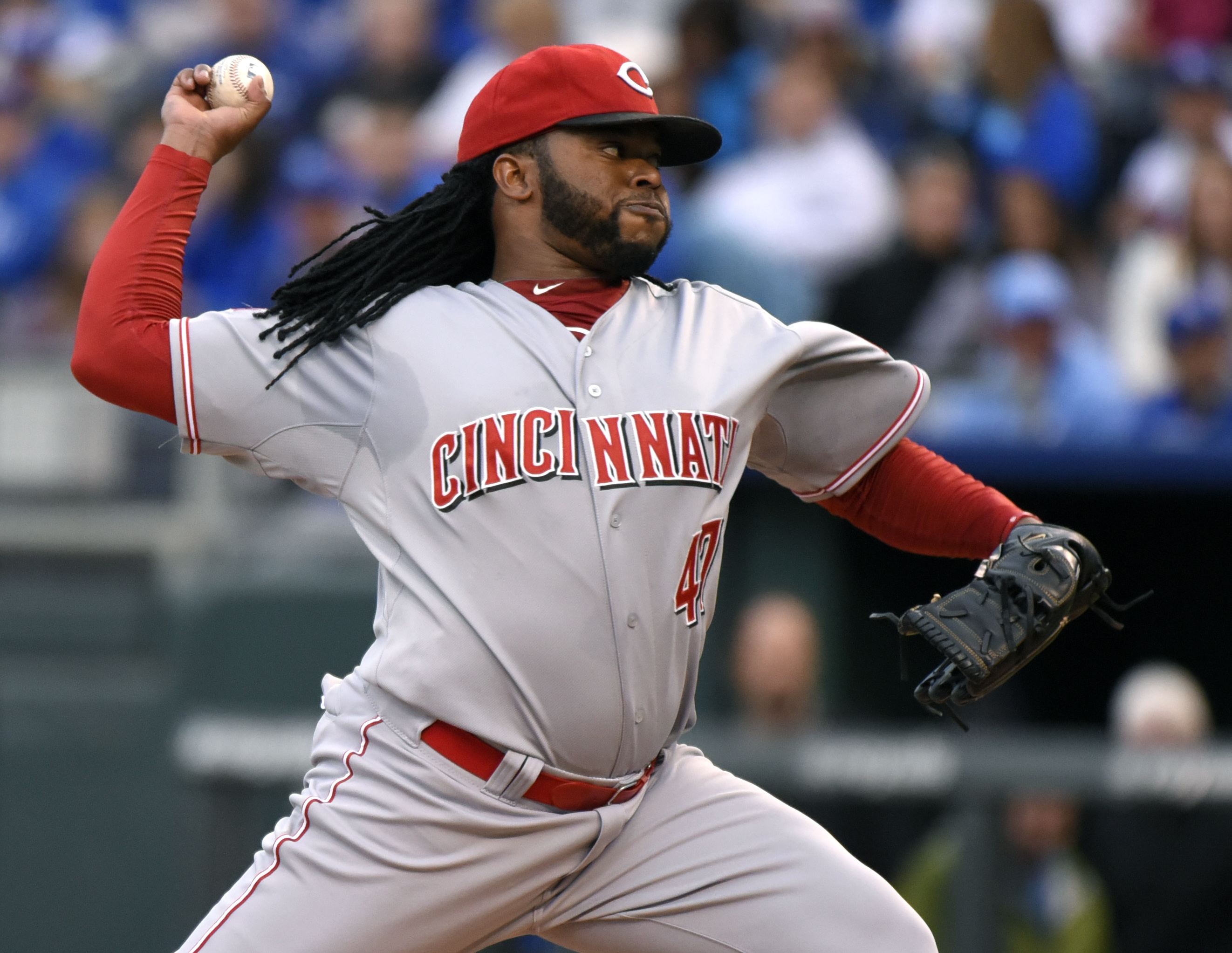 Cincinnati Reds starting pitcher Johnny Cueto throws in the first inning during an interleague baseball game against the Kansas City Royals Tuesday, May 19, 2015, in Kansas City, Mo. (AP Photo/Ed Zurga)