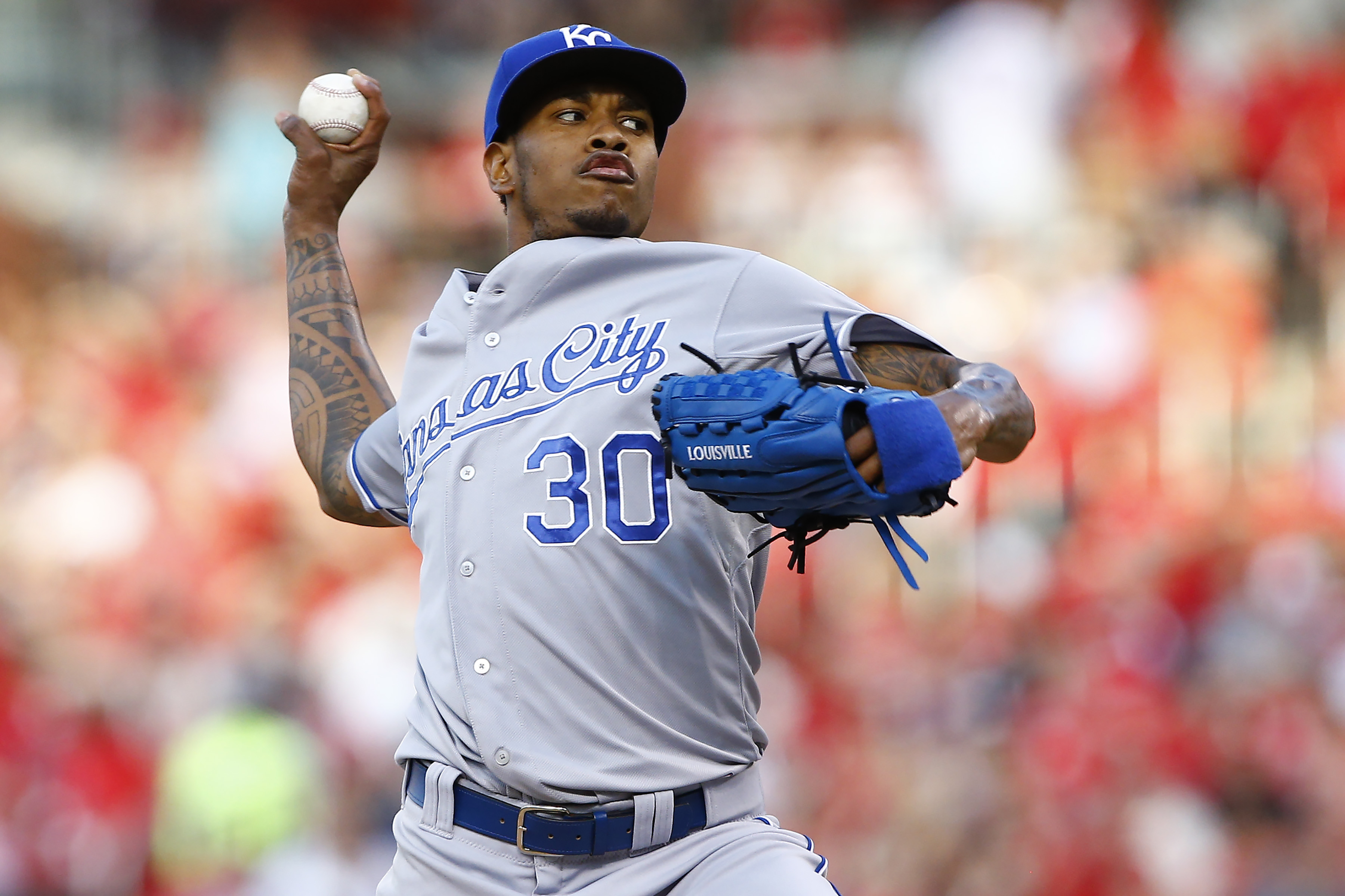 Kansas City Royals starting pitcher Yordano Ventura throws during the first inning of a baseball game against the St. Louis Cardinals, Friday, June 12, 2015, in St. Louis. (AP Photo/Billy Hurst)
