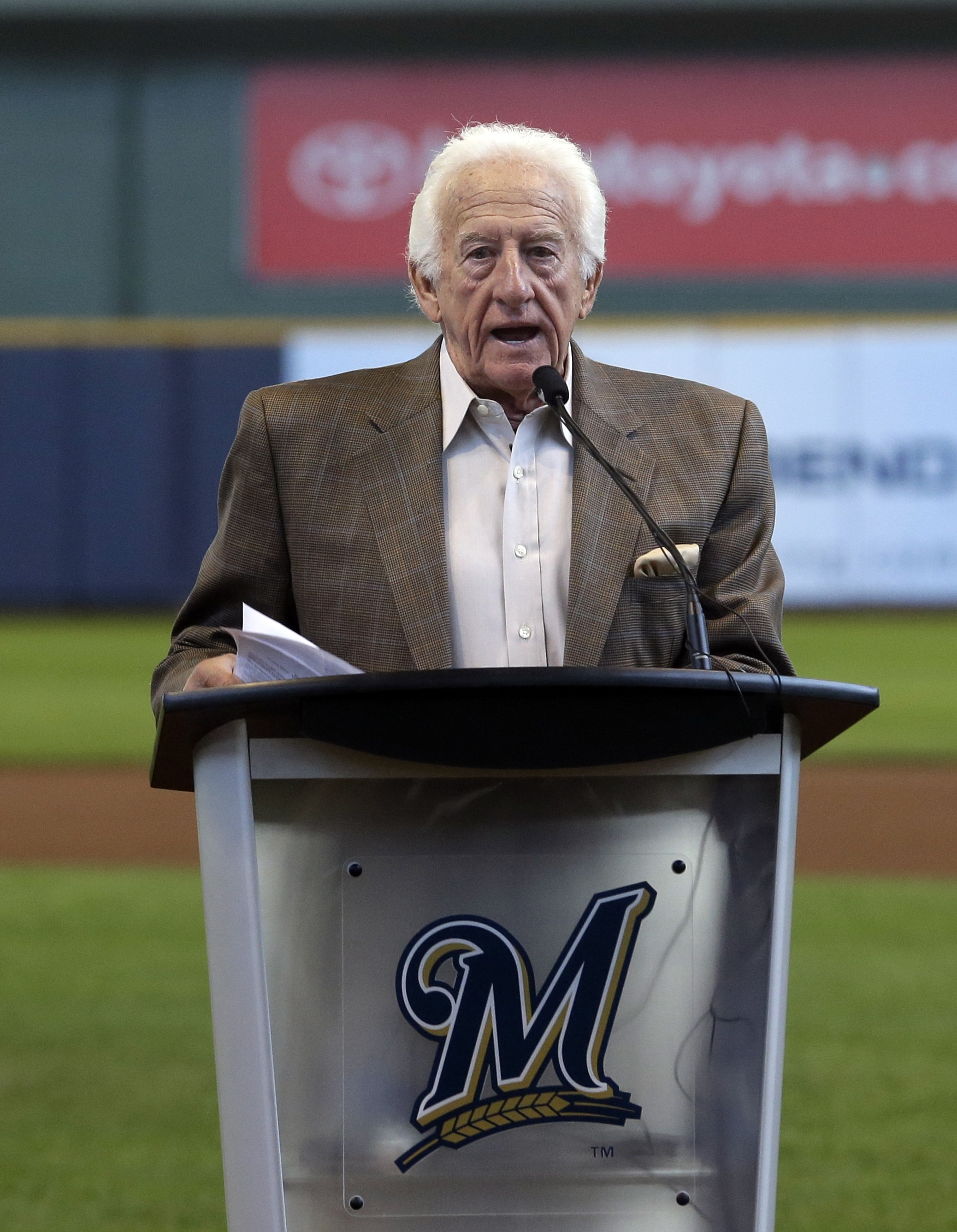 Milwaukee Brewers radio announcer Bob Uecker speaks at an event Friday, April 25, 2014, at Miller Park in Milwaukee. A statue of the Hall of Fame broadcaster will debut the Brewer's game against the Chicago Cubs. (AP Photo/Morry Gash)