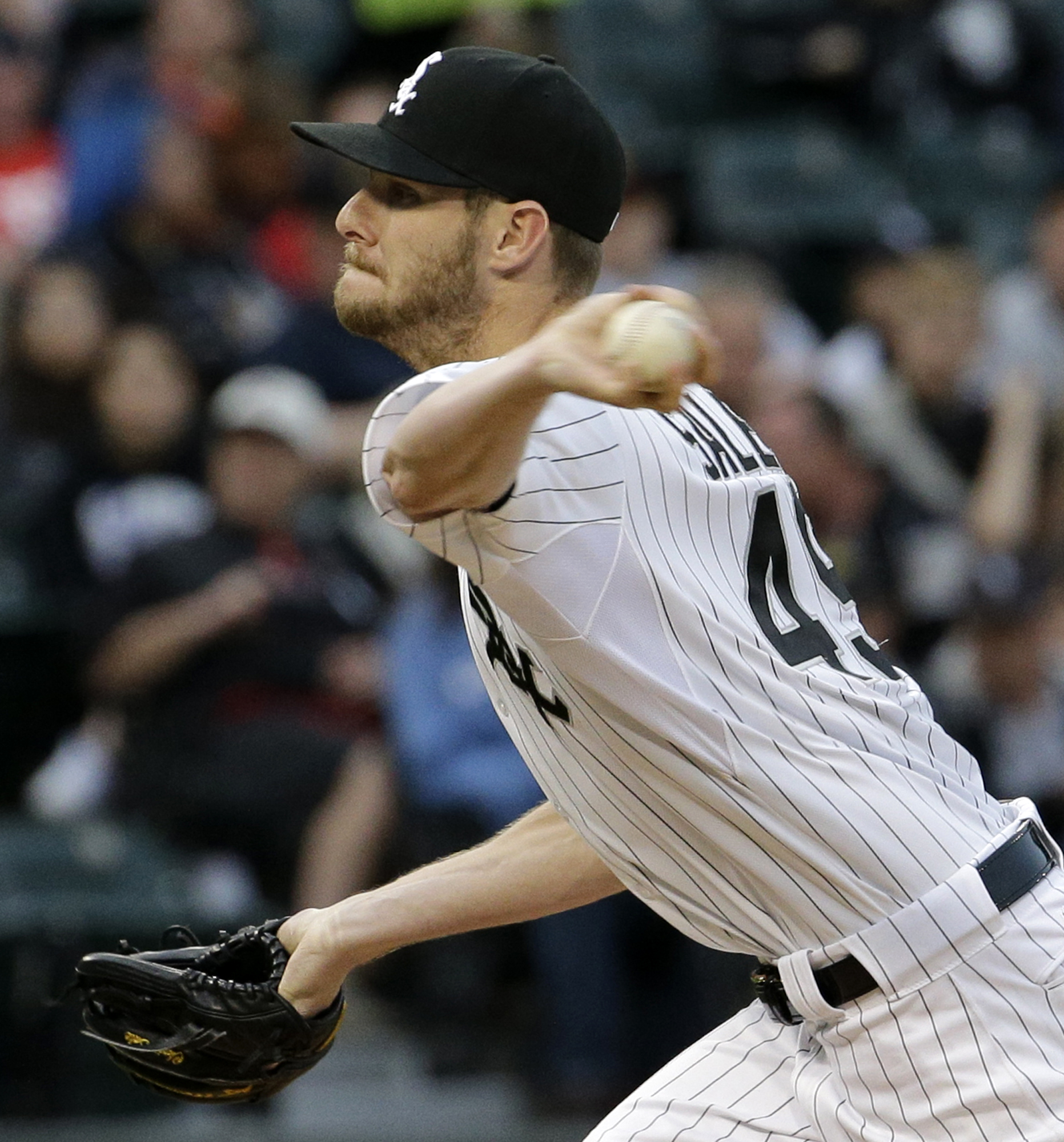 Chicago White Sox starter Chris Sale throws against the Texas Rangers during the third inning of a baseball game on Friday, June 19, 2015,  in Chicago. (AP Photo/Nam Y. Huh)