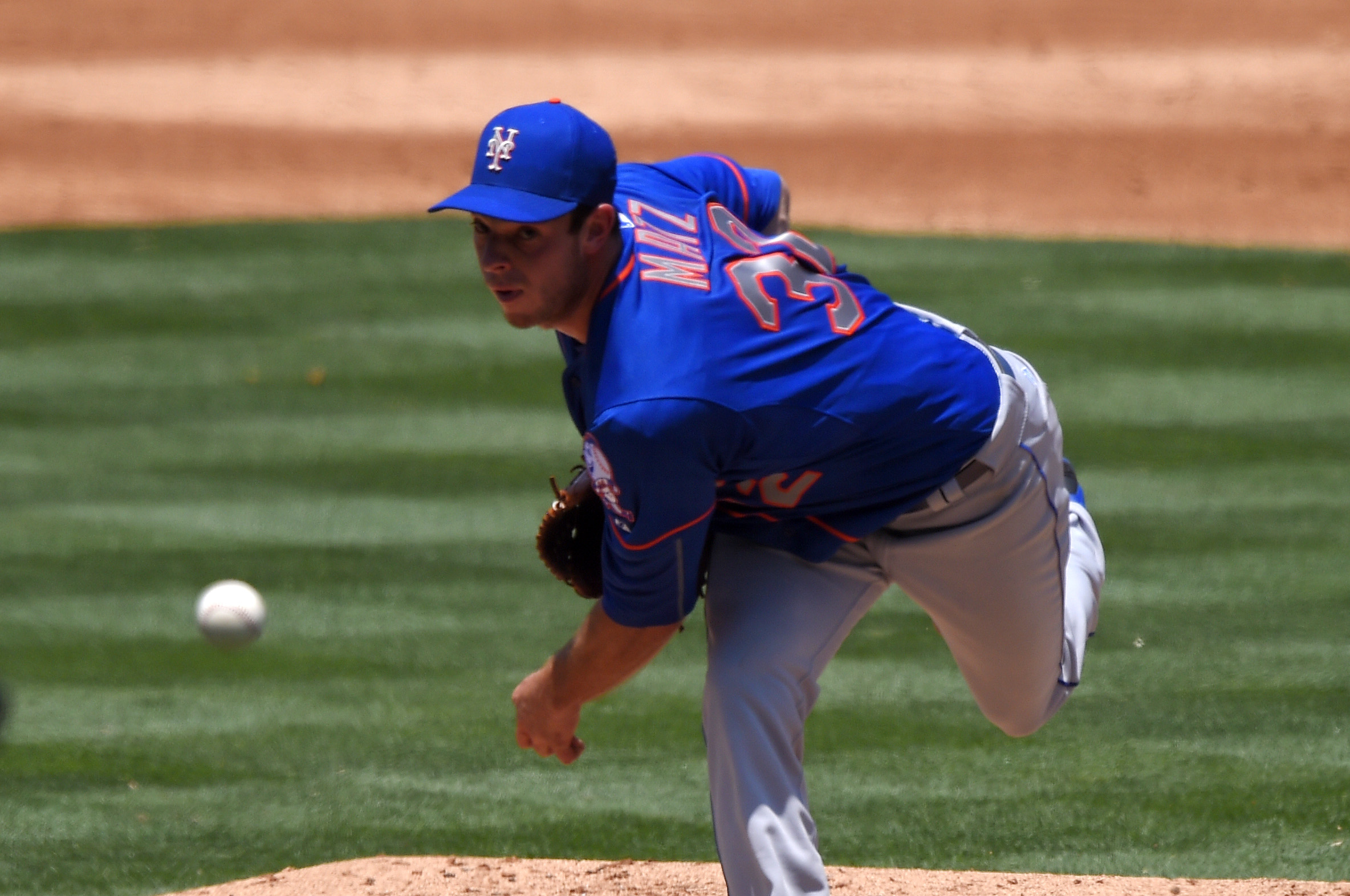 New York Mets starting pitcher Steven Matz throws to the plate during the second inning of a baseball game against the Los Angeles Dodgers, Sunday, July 5, 2015, in Los Angeles. (AP Photo/Mark J. Terrill)