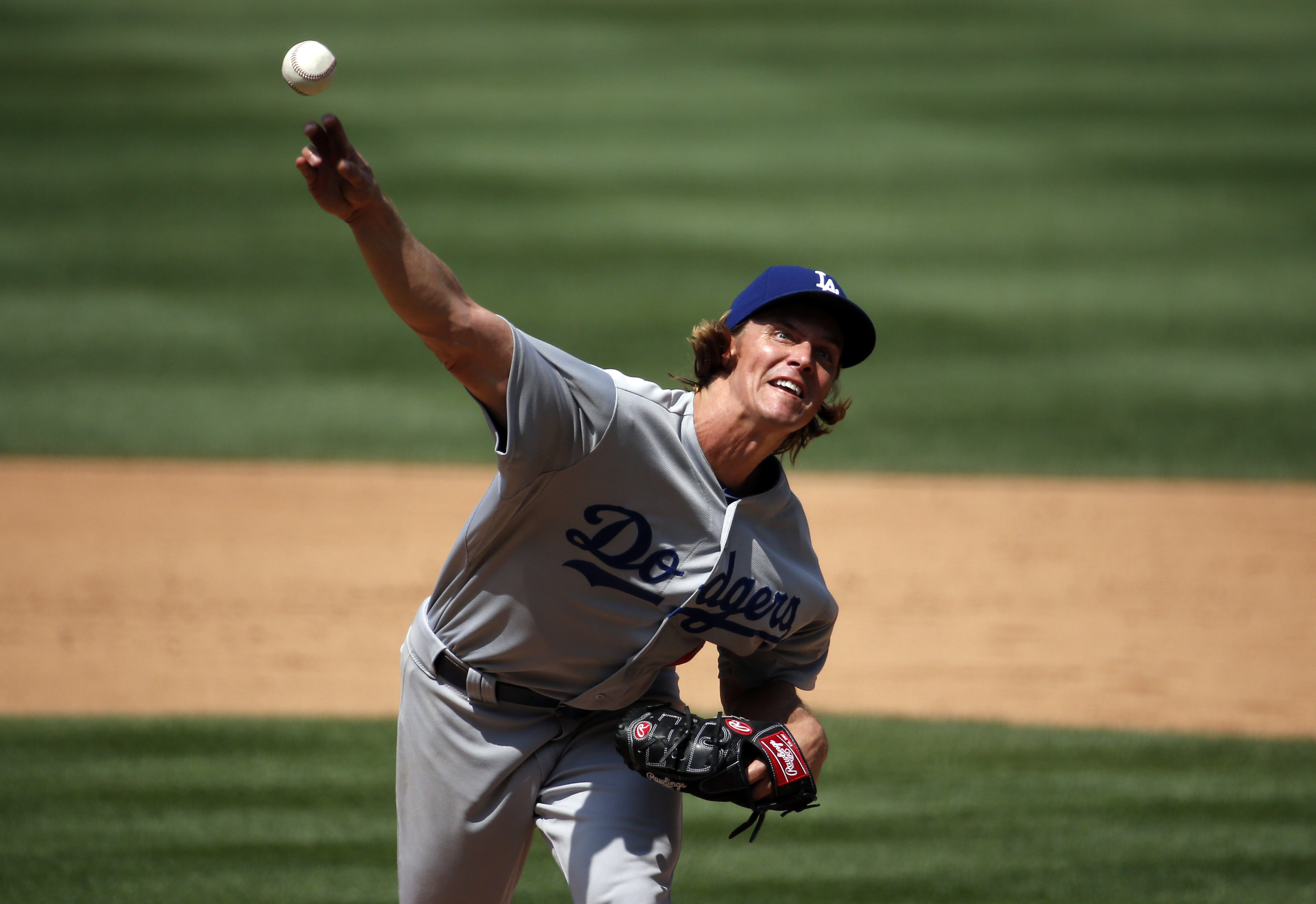 Los Angeles Dodgers starting pitcher Zack Greinke throws during the sixth inning of a baseball game against the Washington Nationals at Nationals Park, Sunday, July 19, 2015, in Washington. The Dodgers won 5-0. (AP Photo/Alex Brandon)