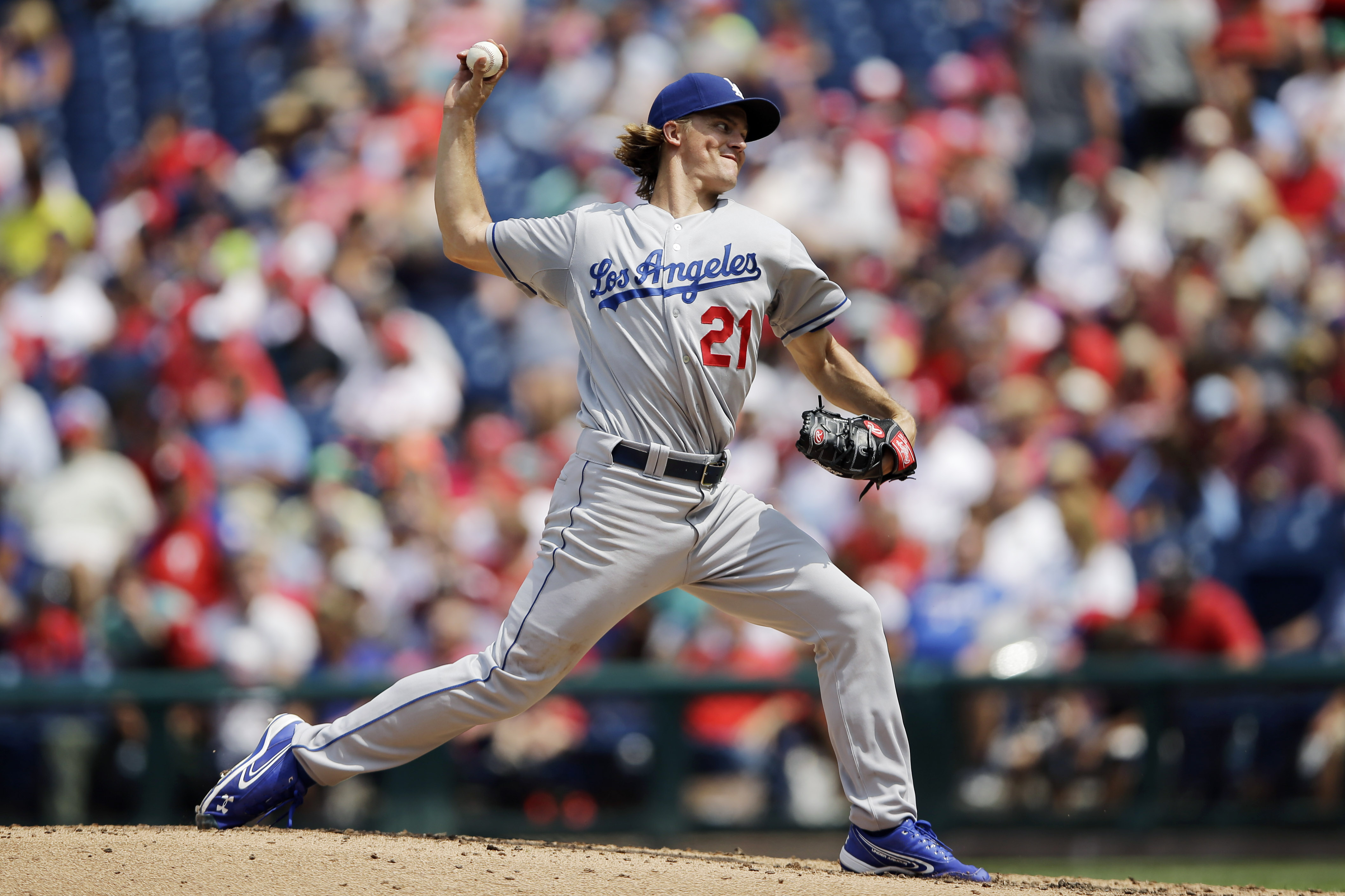 Los Angeles Dodgers' Zack Greinke pitches during the second inning of a baseball game against the Philadelphia Phillies, Thursday, Aug. 6, 2015, in Philadelphia. (AP Photo/Matt Slocum)