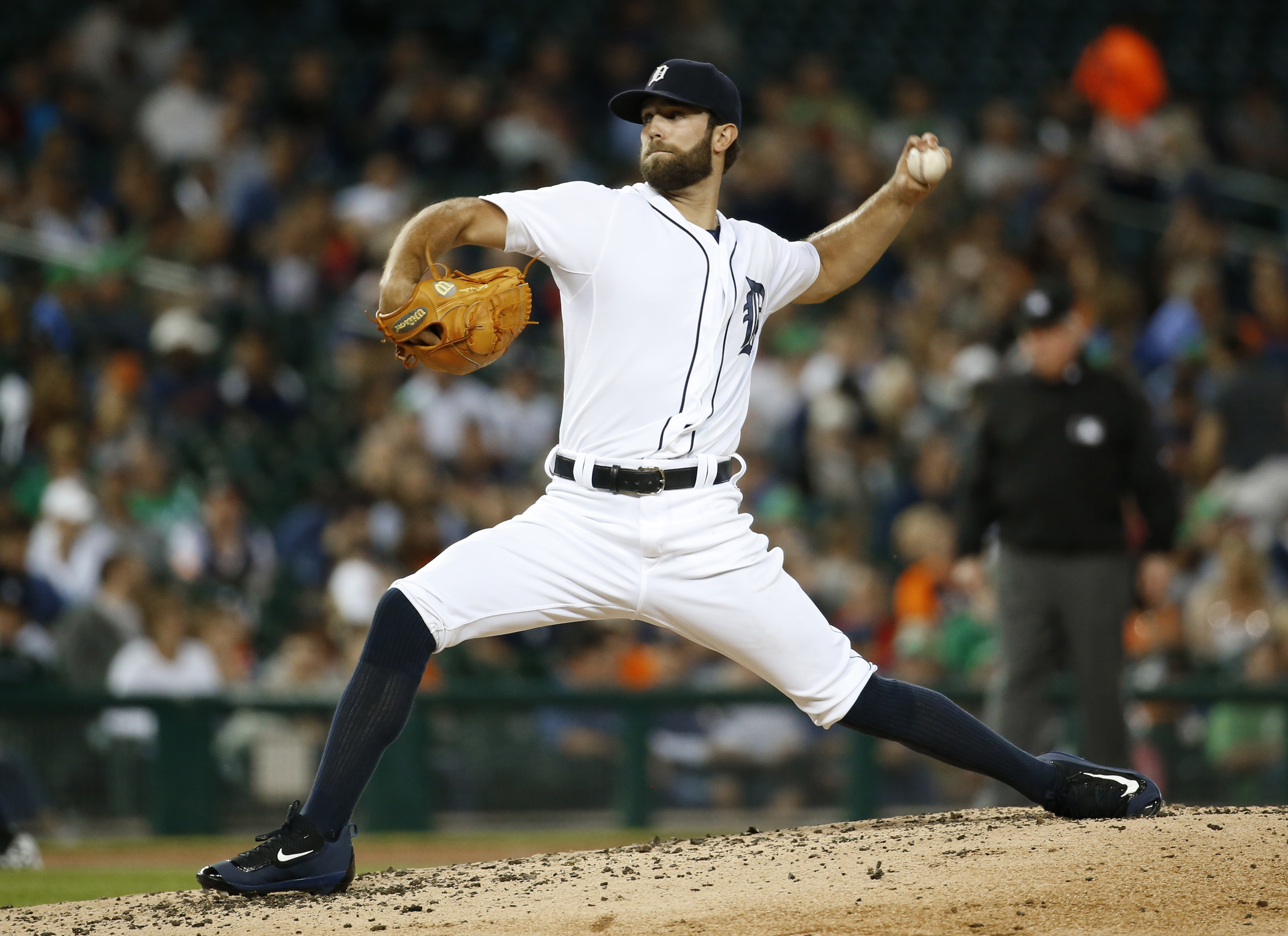 Detroit Tigers pitcher Daniel Norris throws against the Chicago White Sox in the fourth inning of a baseball game in Detroit Tuesday, Sept. 22, 2015. (AP Photo/Paul Sancya)