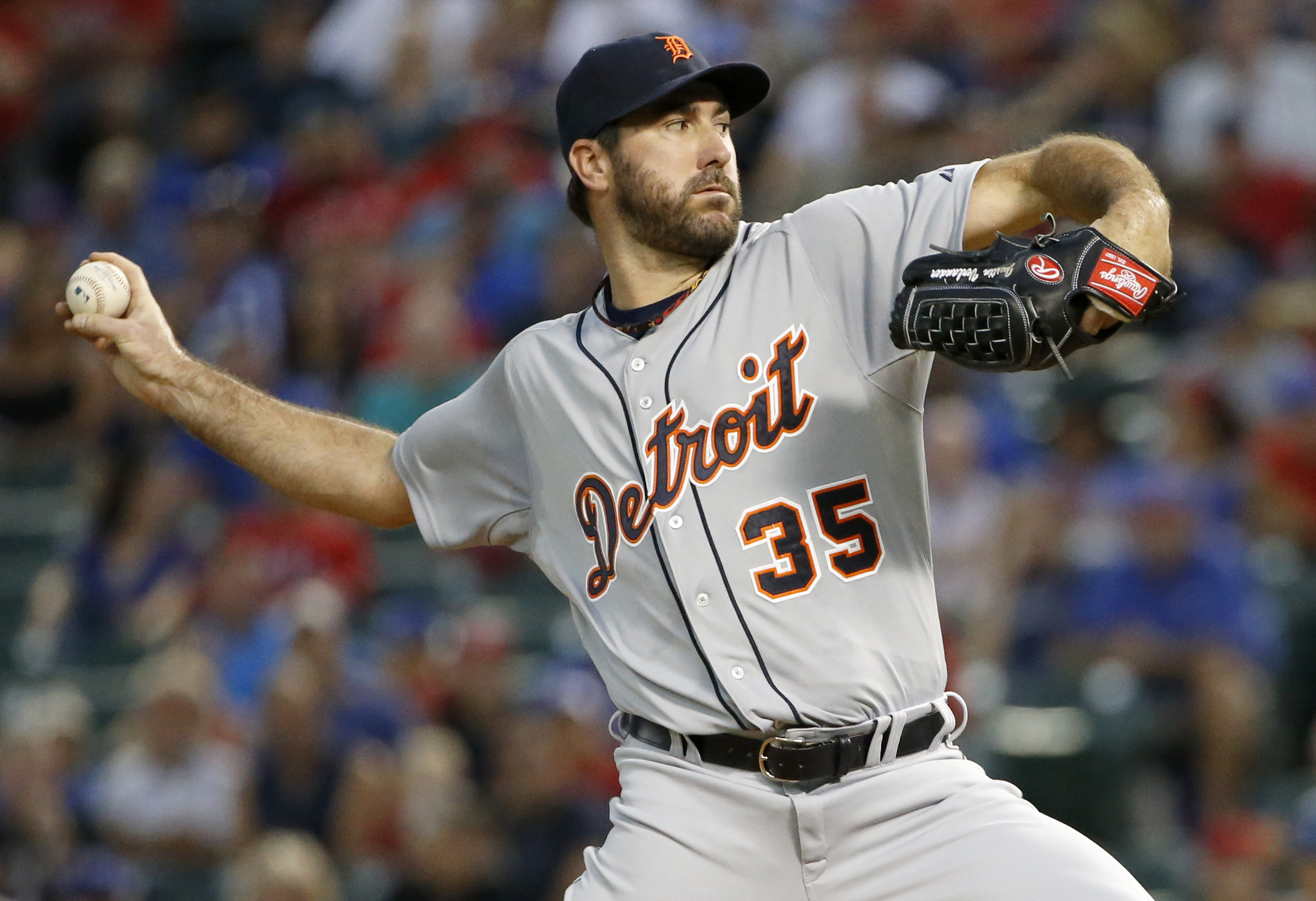 Detroit Tigers starting pitcher Justin Verlander (35) works against the Texas Rangers in the first inning of a baseball game Monday Sept. 28, 2015, in Arlington, Texas. (AP Photo/Ron Jenkins)