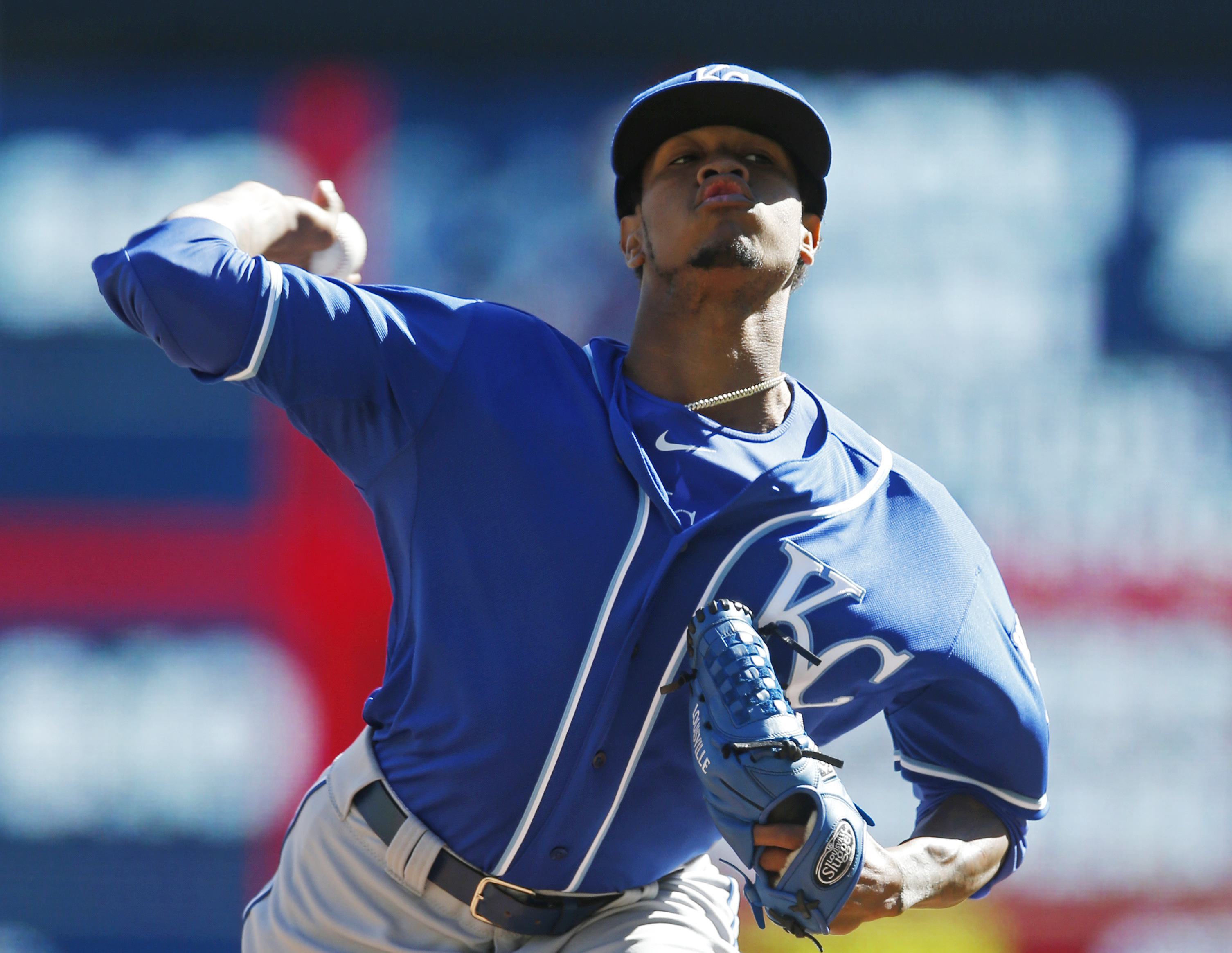 Kansas City Royals pitcher Yordano Ventura throws against the Minnesota Twins in the first inning of a baseball game, Saturday, Oct. 3, 2015, in Minneapolis. (AP Photo/Jim Mone)