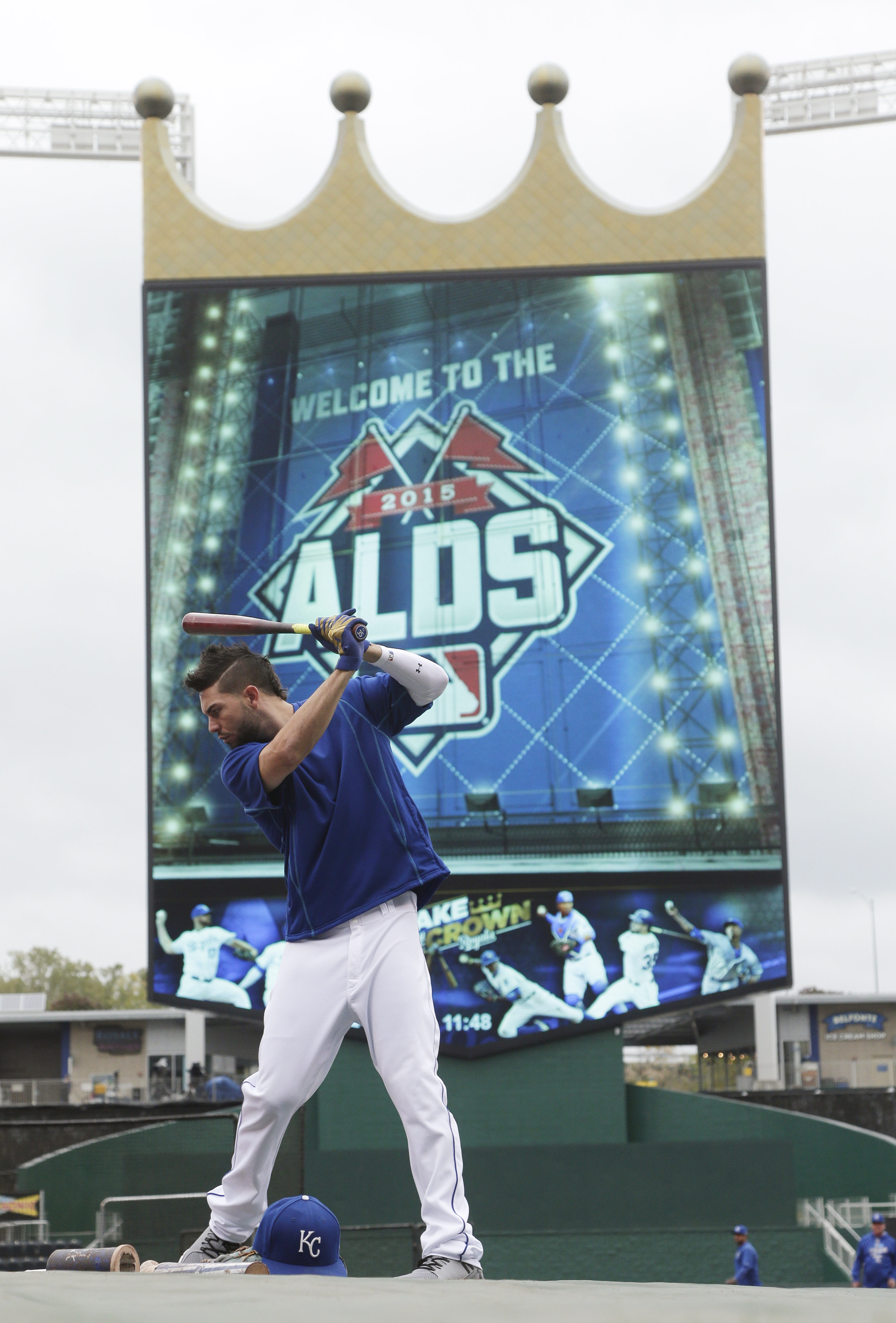 Kansas City Royals first baseman Eric Hosmer waits to take batting practice before Game 2 in baseball's American League Division Series against the Houston Astros, Friday, Oct. 9, 2015, in Kansas City, Mo. (AP Photo/Charlie Riedel)
