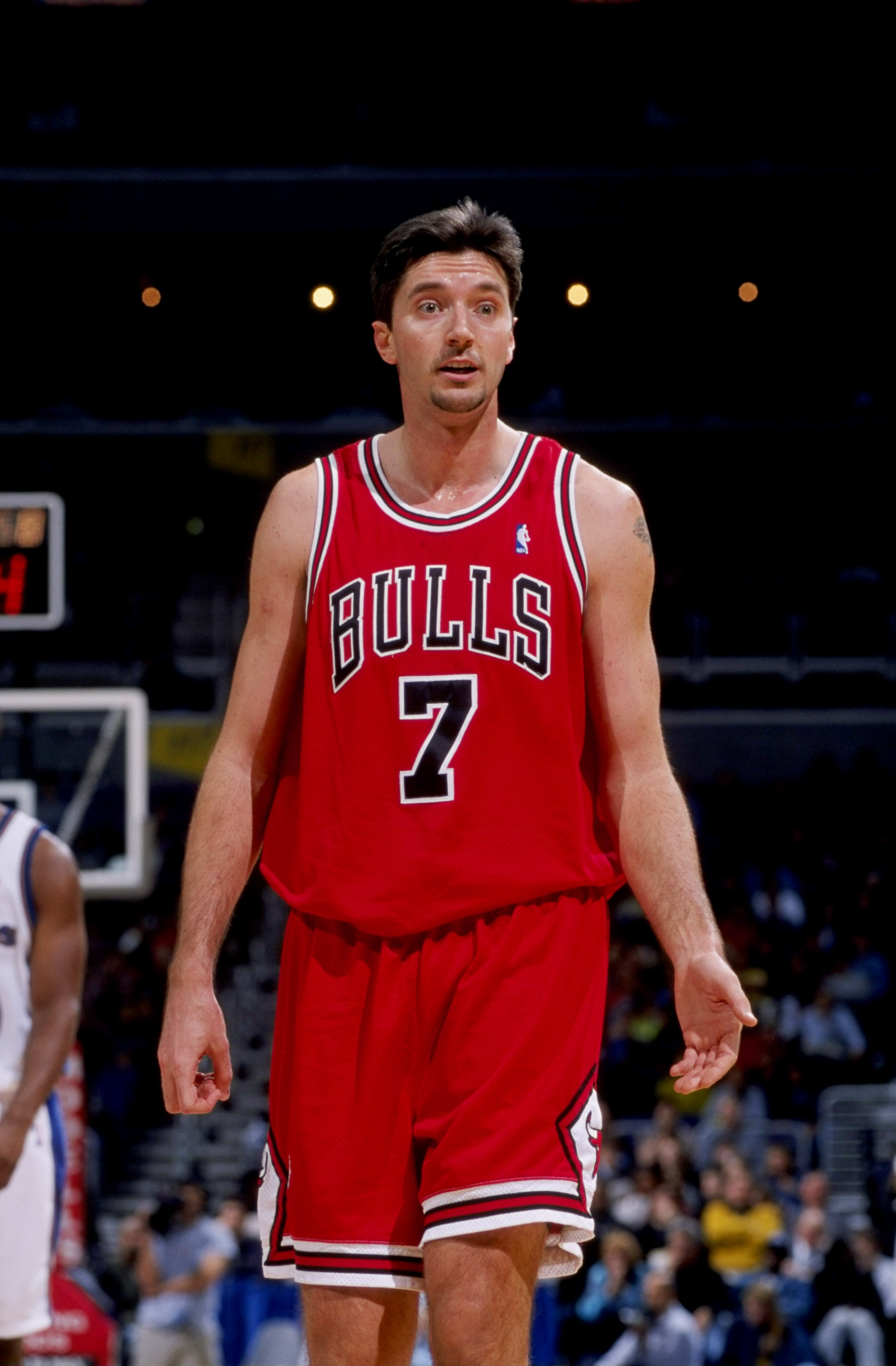 19 Feb 1999:  Toni Kukoc #7 of the Chicago Bulls looking on during the game against the Washington Wizards at the MCI Center in Washington, D.C. The Wizards defeated the Bull 93-91.  Mandatory Credit: Doug Pensinger  /Allsport