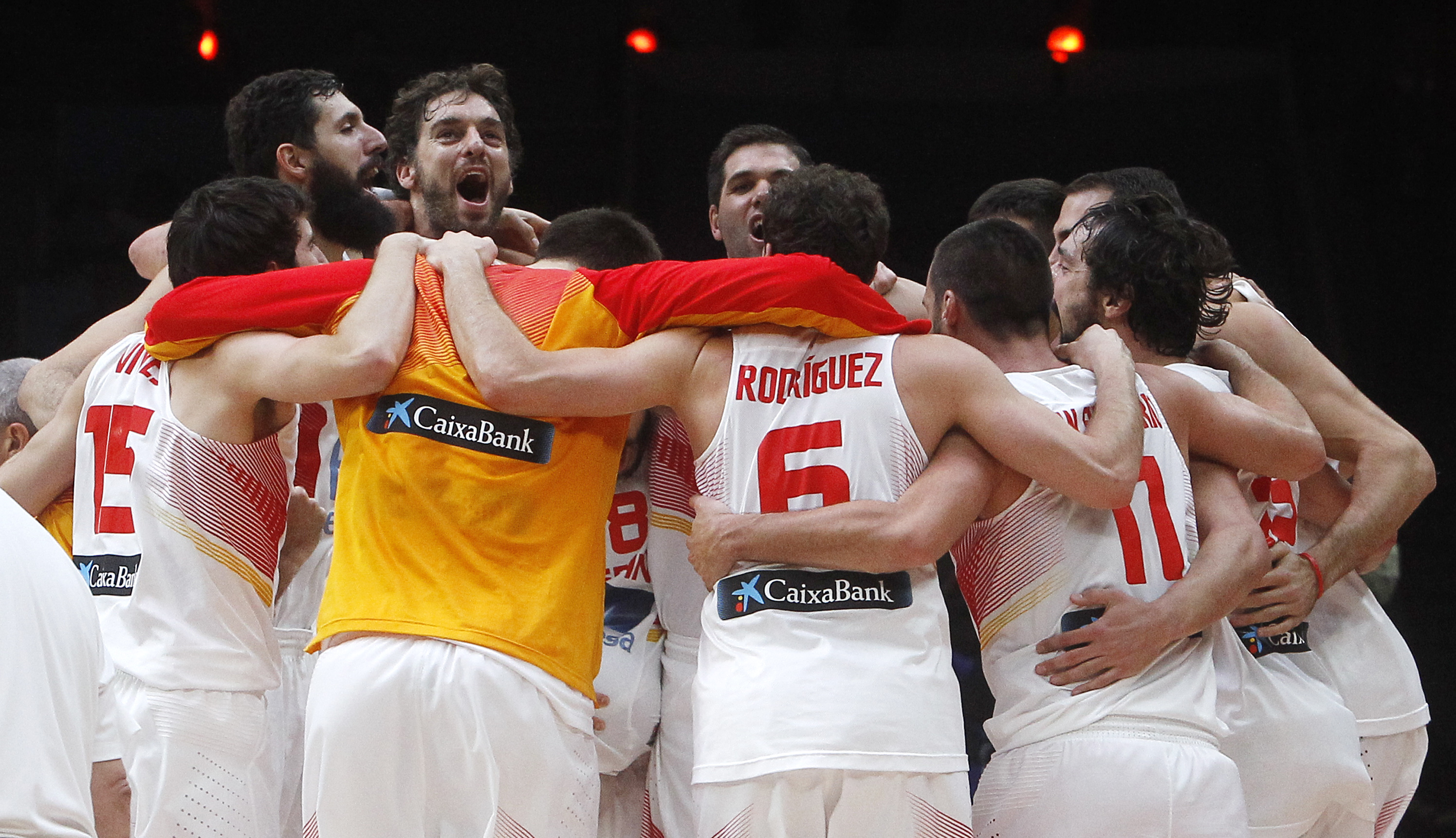 Spain' s Pau Gasol, third left, celebrates with teammates after winning the Eurobasket European Championship final between Spain and Lithuania in Lille, northern France, Sunday, Sept. 20, 2015. Spain beats Lithuania 80-63 to take Eurobasket gold medal.  (
