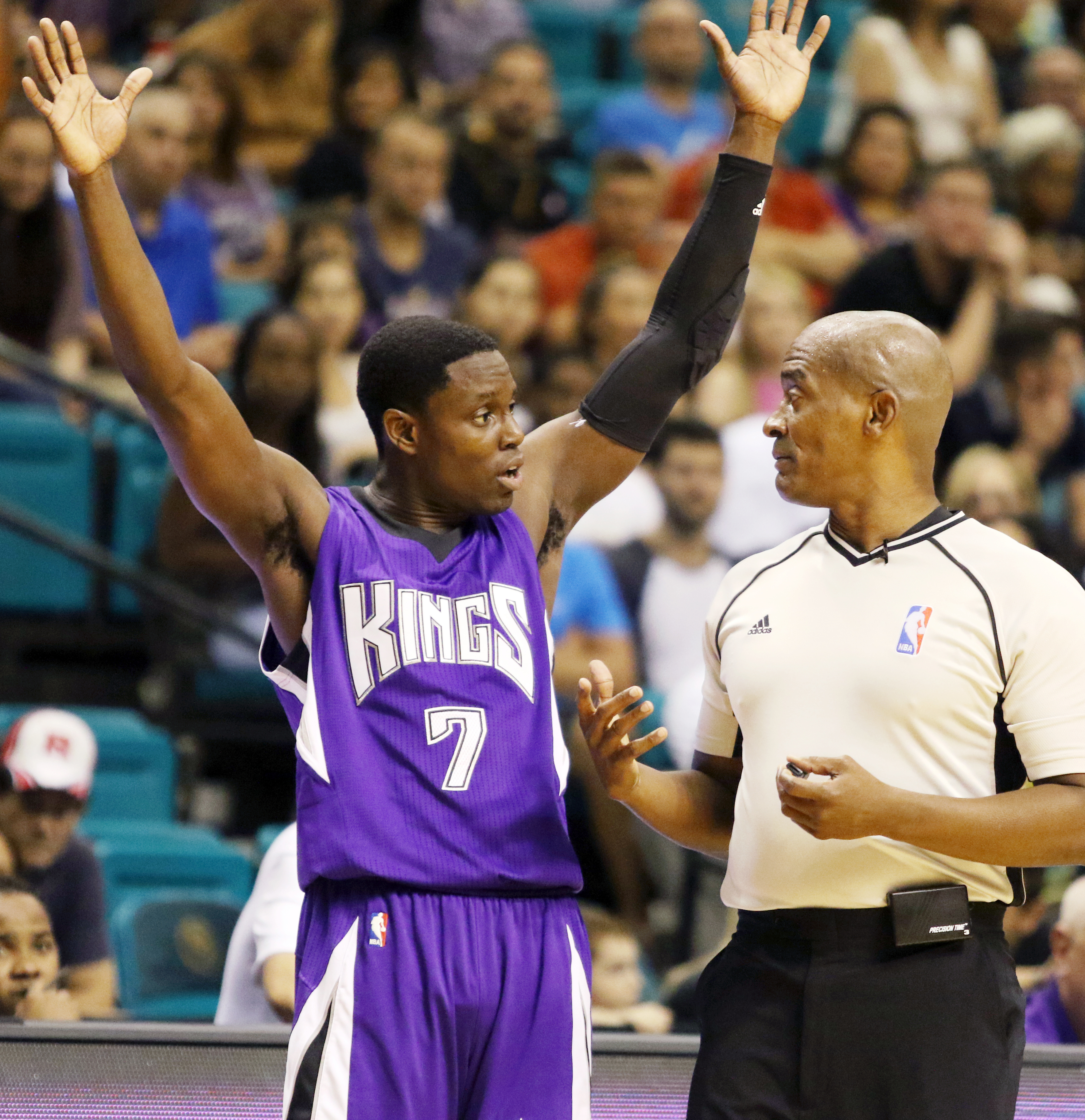 Sacramento Kings' Darren Collison puts his hand up while talking to a referee in the second half of an NBA preseason game against the Los Angeles Lakers, Tuesday, Oct. 13, 2015, in Las Vegas. The Sacramento Kings won 107-100. (AP Photo/Ronda Churchill)