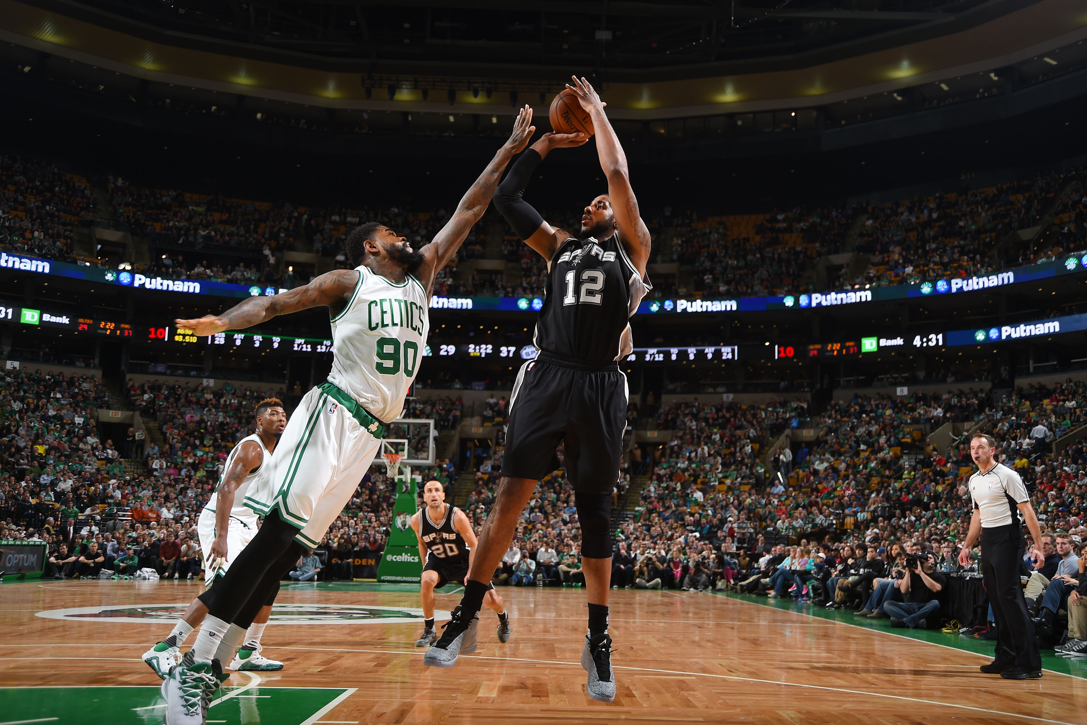 BOSTON, MA - NOVEMBER 1: LaMarcus Aldridge #12 of the San Antonio Spurs shoots the ball against the Boston Celtics during the game on November 1, 2015 at the TD Garden in Boston, Massachusetts.  (Photo by Brian Babineau/NBAE via Getty Images)