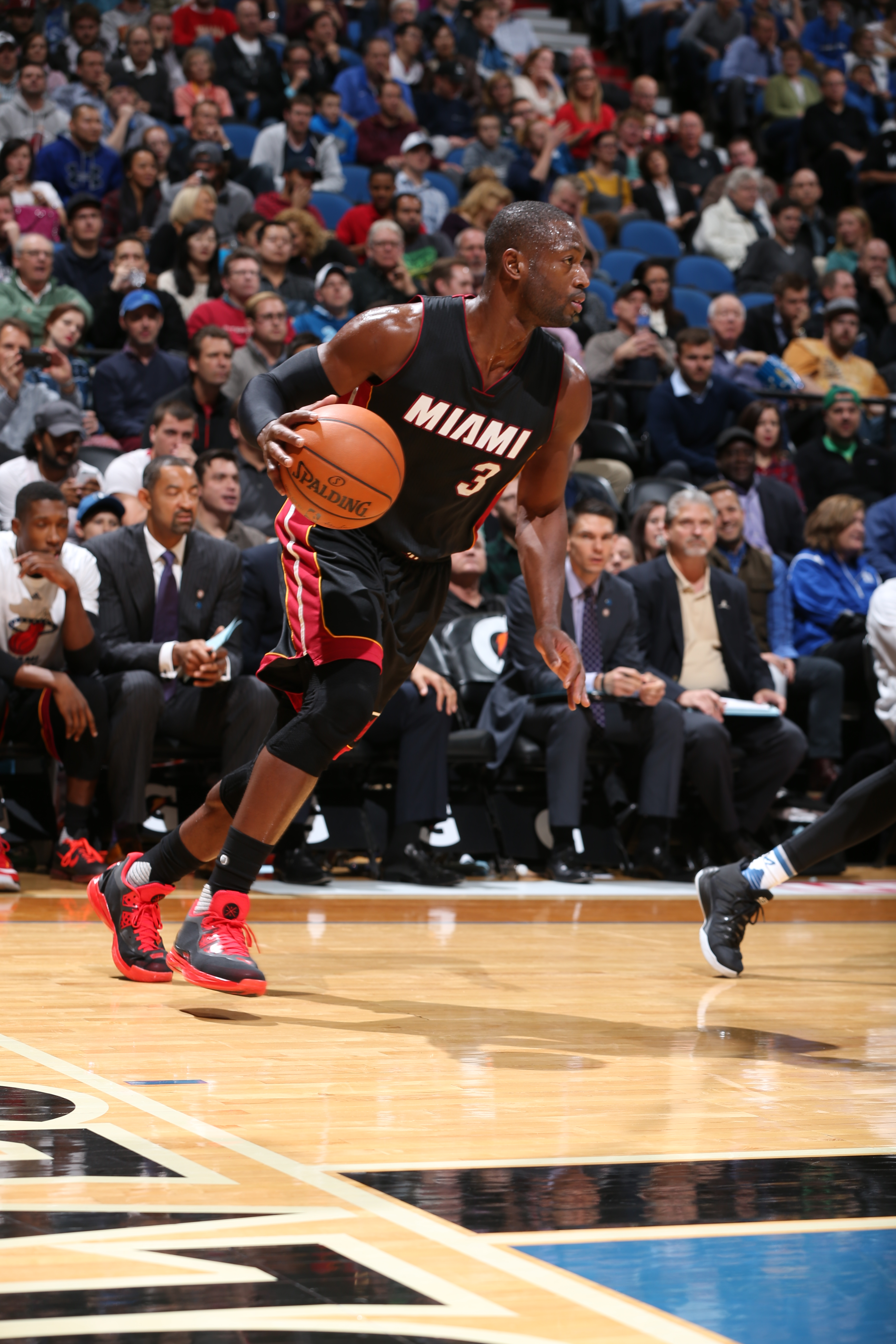 MINNEAPOLIS, MN -  NOVEMBER 5:  Dwyane Wade #3 of the Miami Heat dribbles the ball against the Minnesota Timberwolves n November 5, 2015 at Target Center in Minneapolis, Minnesota. (Photo by David Sherman/NBAE via Getty Images)
