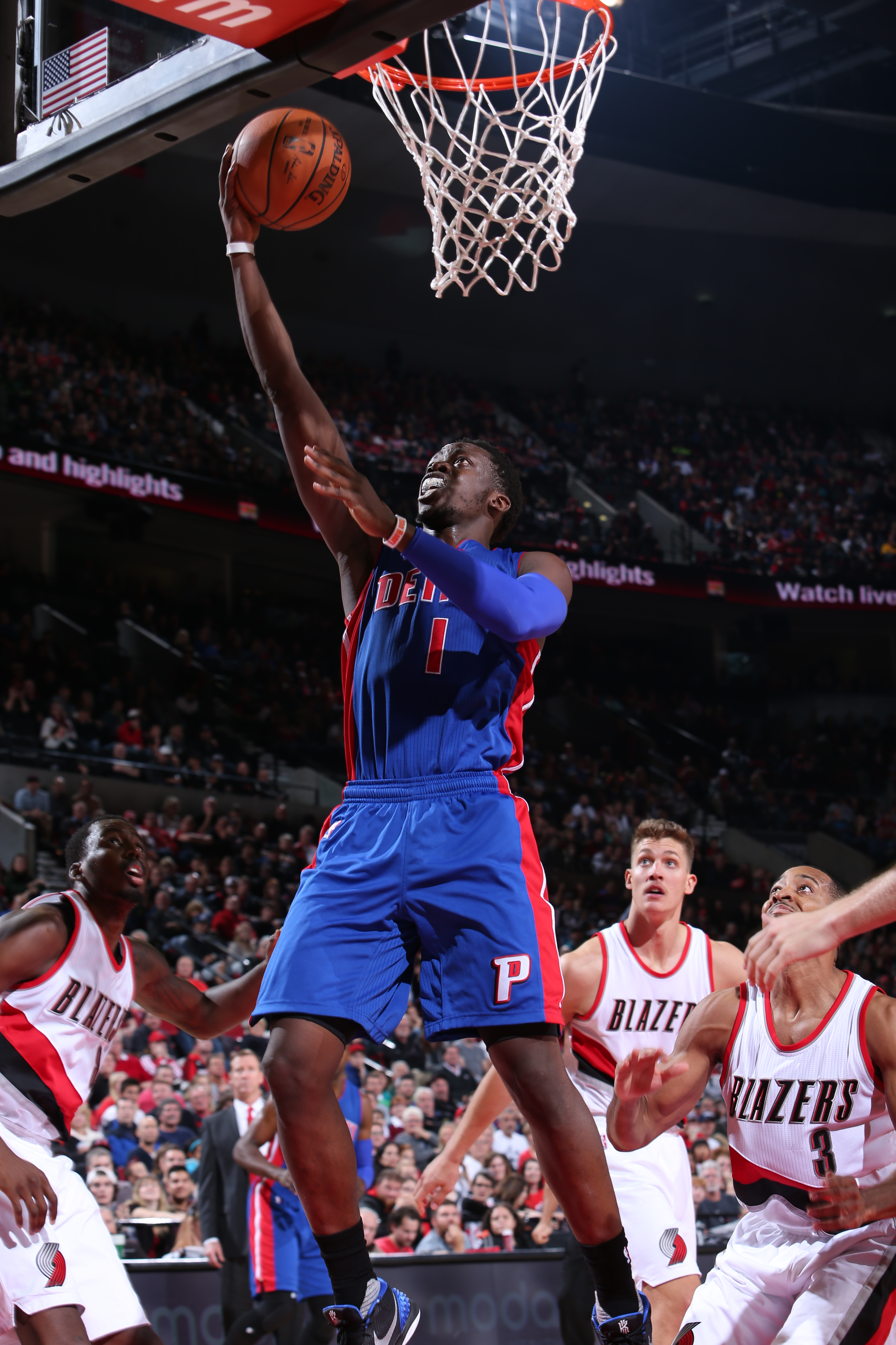 PORTLAND, OR - NOVEMBER 8:  Reggie Jackson #1 of the Detroit Pistons goes to the basket against the Portland Trail Blazers on November 8, 2015 at the Moda Center in Portland, Oregon. (Photo by Sam Forencich/NBAE via Getty Images)