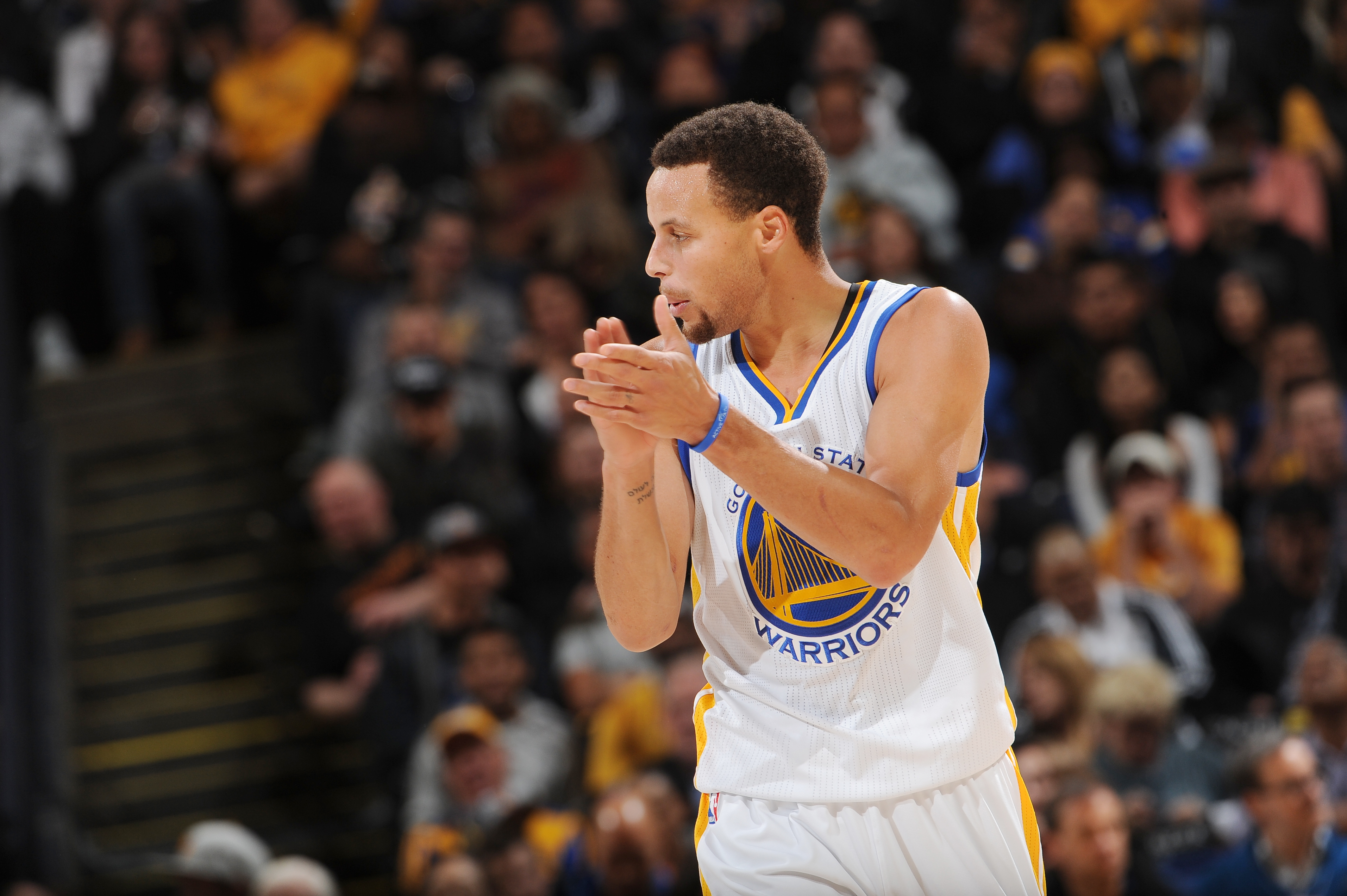 OAKLAND, CA - NOVEMBER 9:  Stephen Curry #30 of the Golden State Warriors celebrates during the game against the Detroit Pistons on November 9, 2015 at ORACLE Arena in Oakland, California. (Photo by Noah Graham/NBAE via Getty Images)