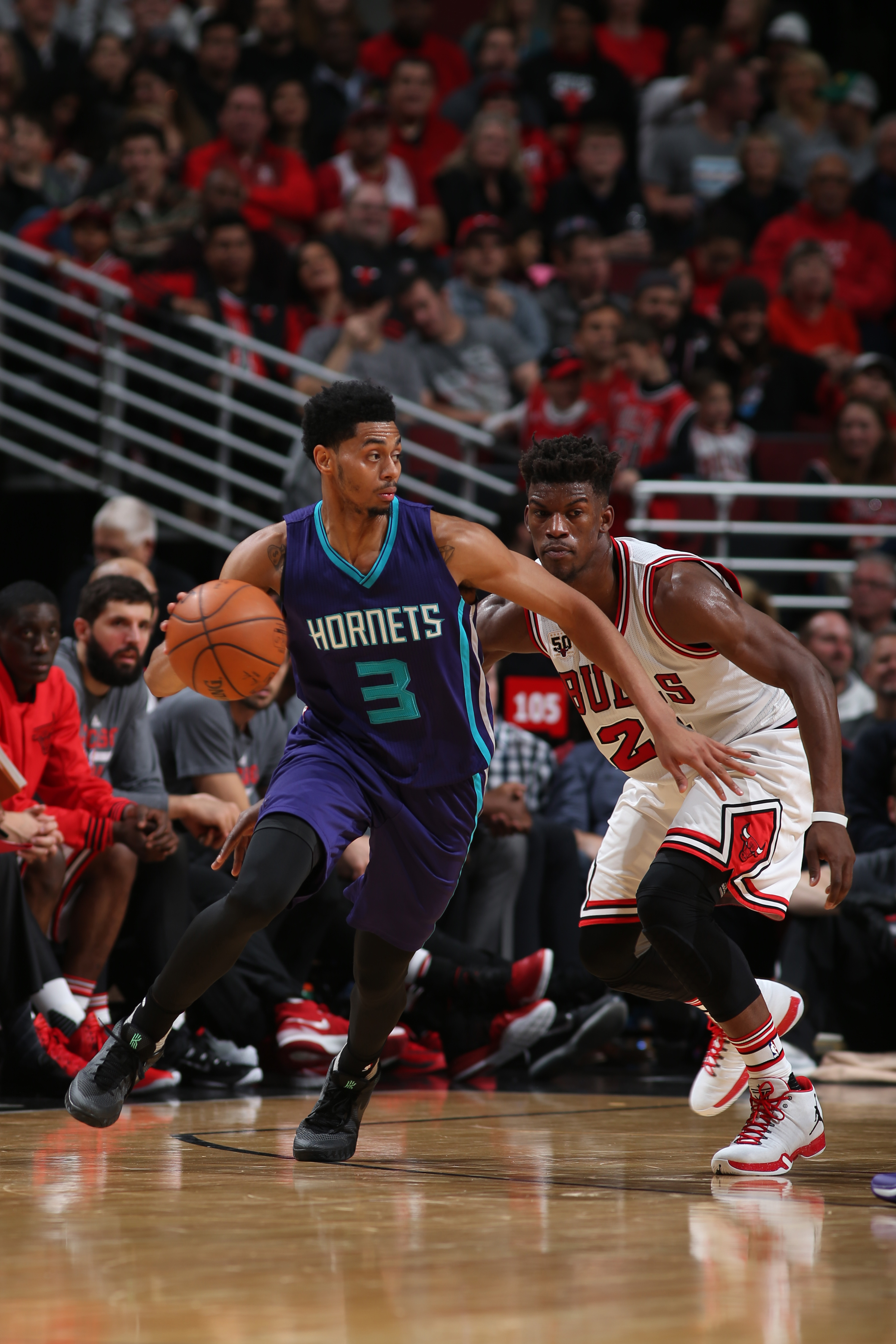 CHICAGO, IL - NOVEMBER 13: Jeremy Lamb #3 of the Charlotte Hornets handles the ball against the Chicago Bulls on November 13, 2015 at the United Center in Chicago, Illinois. (Photo by Gary Dineen/NBAE via Getty Images)