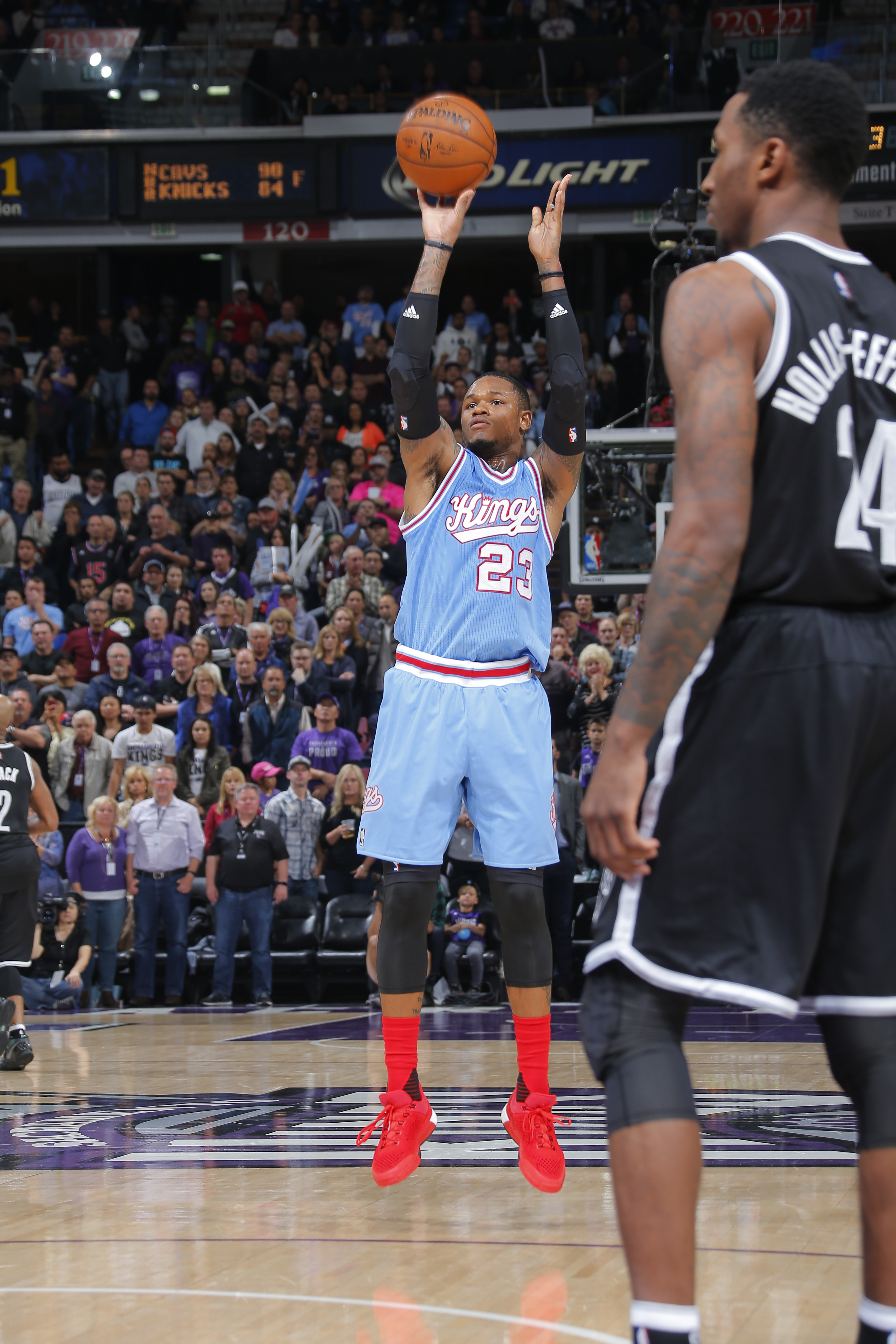 SACRAMENTO, CA - NOVEMBER 13:  Ben McLemore #23 of the Sacramento Kings shoots against the Brooklyn Nets on November 13, 2015 at Sleep Train Arena in Sacramento, California. (Photo by Rocky Widner/NBAE via Getty Images)