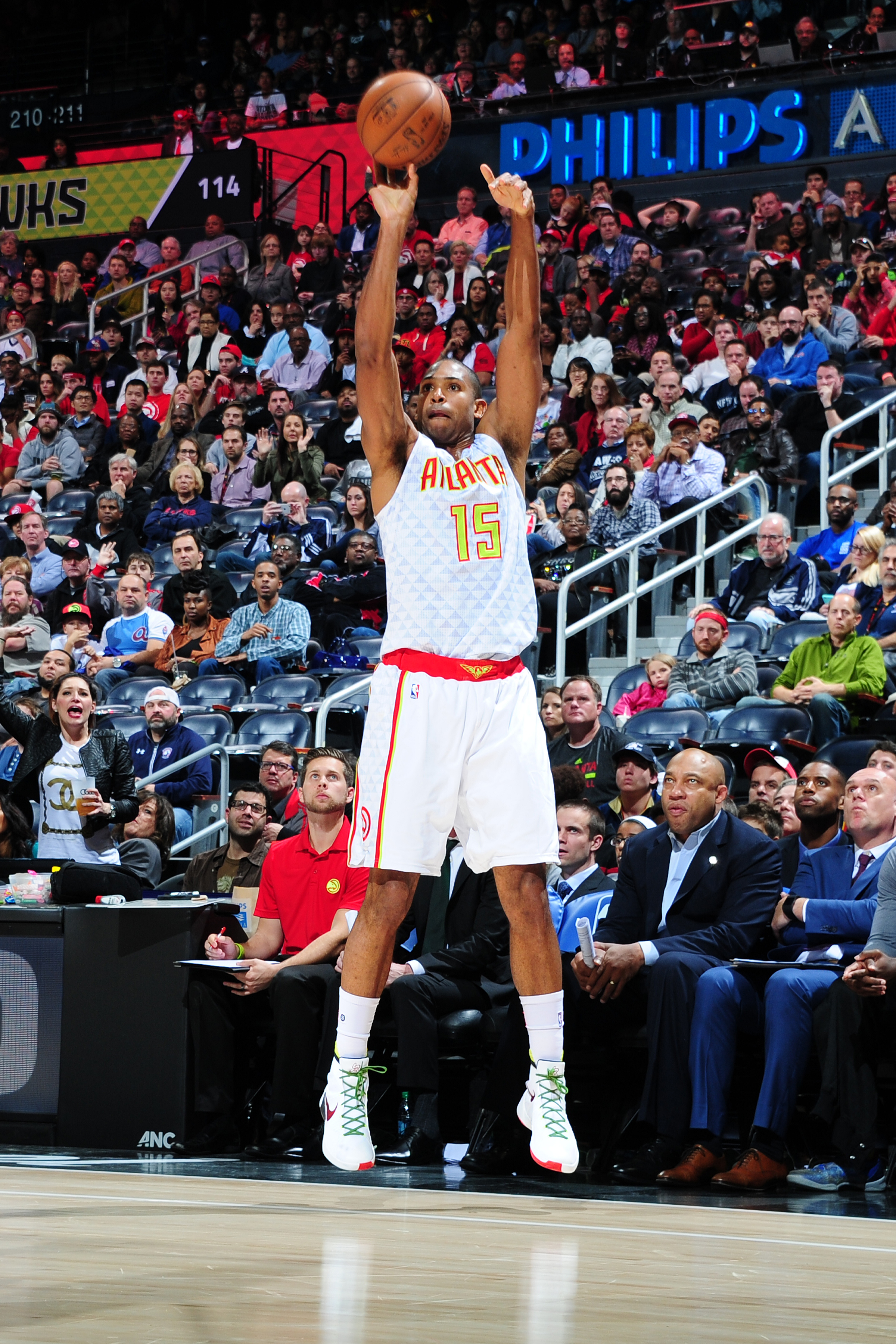 ATLANTA, GEORGIA - NOVEMBER 15: Al Horford #15 of the Atlanta Hawks shoots the ball during the game against the Utah Jazz on November 15, 2015 at Philips Center in Atlanta, Georgia.  (Photo by Scott Cunningham/NBAE via Getty Images)