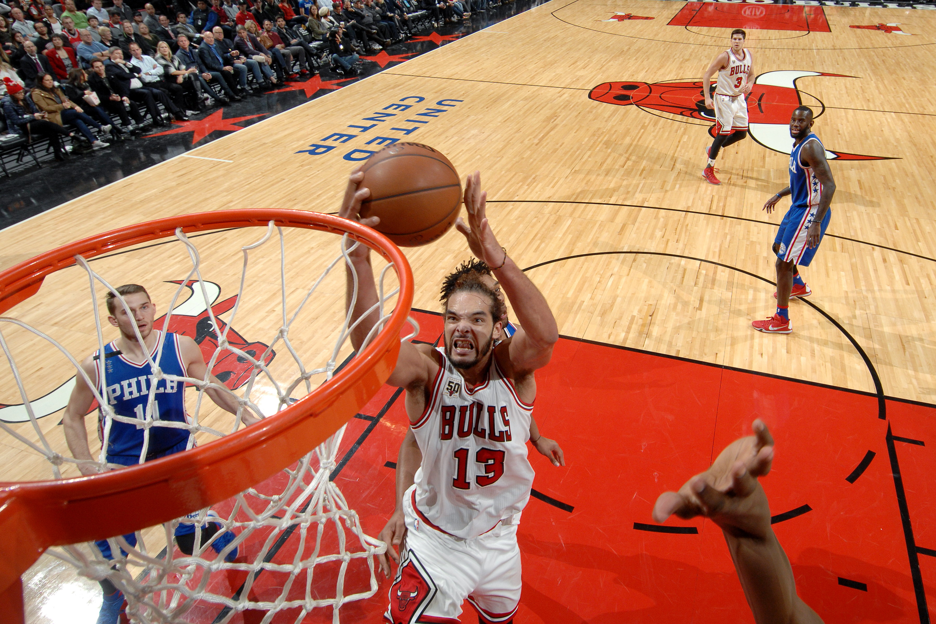CHICAGO, IL - DECEMBER 14: Joakim Noah #13 of the Chicago Bulls goes for the lay up during the game against the Philadelphia 76ers on December 14, 2015 at the United Center in Chicago, Illinois. (Photo by Randy Belice/NBAE via Getty Images)