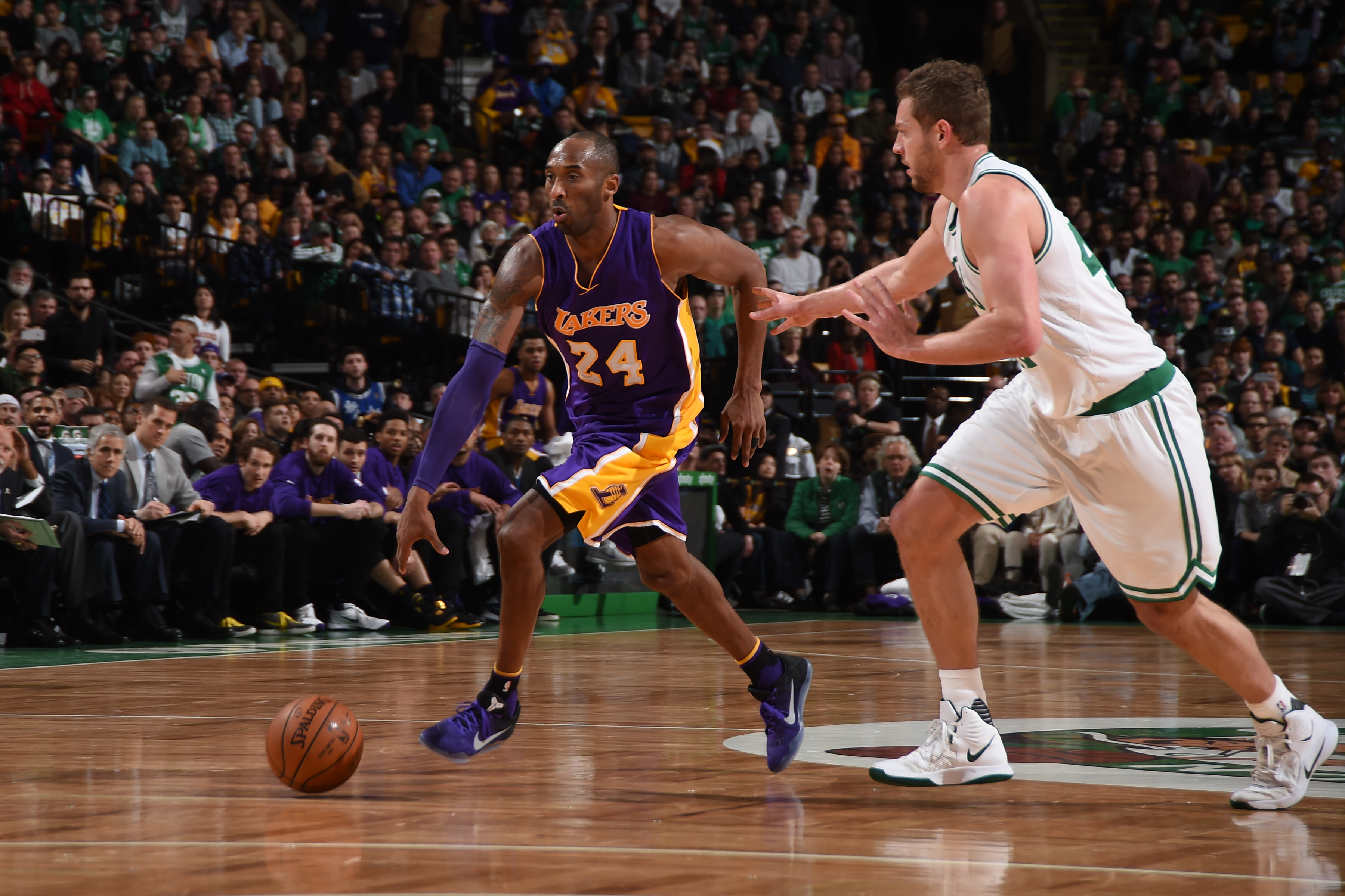 BOSTON, MA - DECEMBER 30: Kobe Bryant #24 of the Los Angeles Lakers handles the ball against the Boston Celtics on December 30, 2015 at the TD Garden in Boston, Massachusetts.  (Photo by Brian Babineau/NBAE via Getty Images)