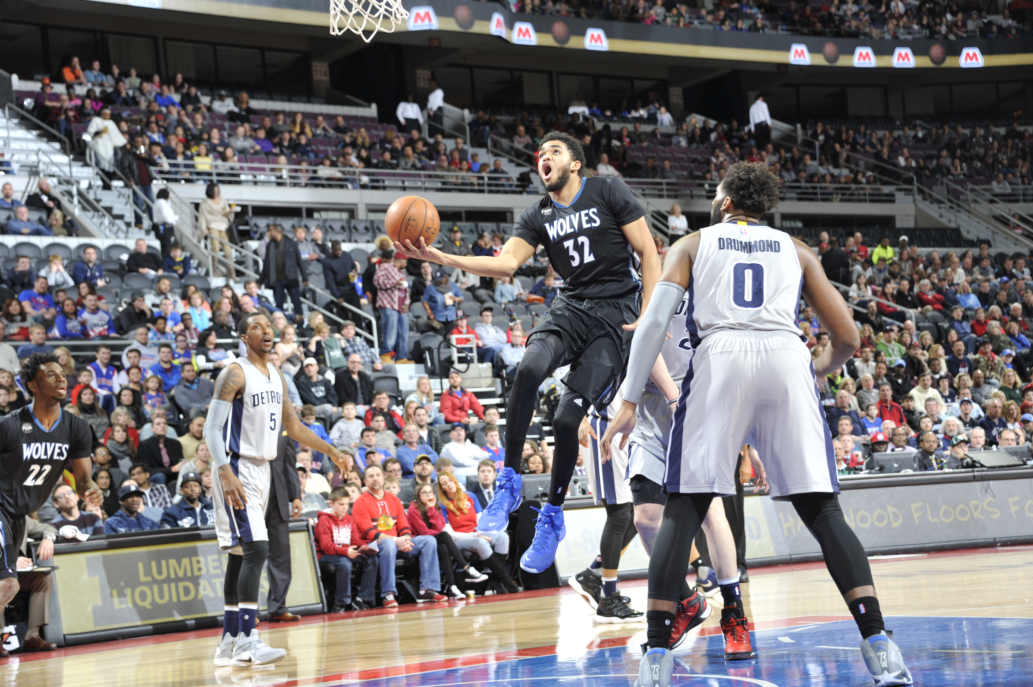 AUBURN HILLS, MI - DECEMBER 31:  Karl-Anthony Towns #32 of the Minnesota Timberwolves goes to the basket against the Detroit Pistons on December 31, 2015 at The Palace of Auburn Hills in Auburn Hills, Michigan. (Photo by Allen Einstein/NBAE via Getty Imag