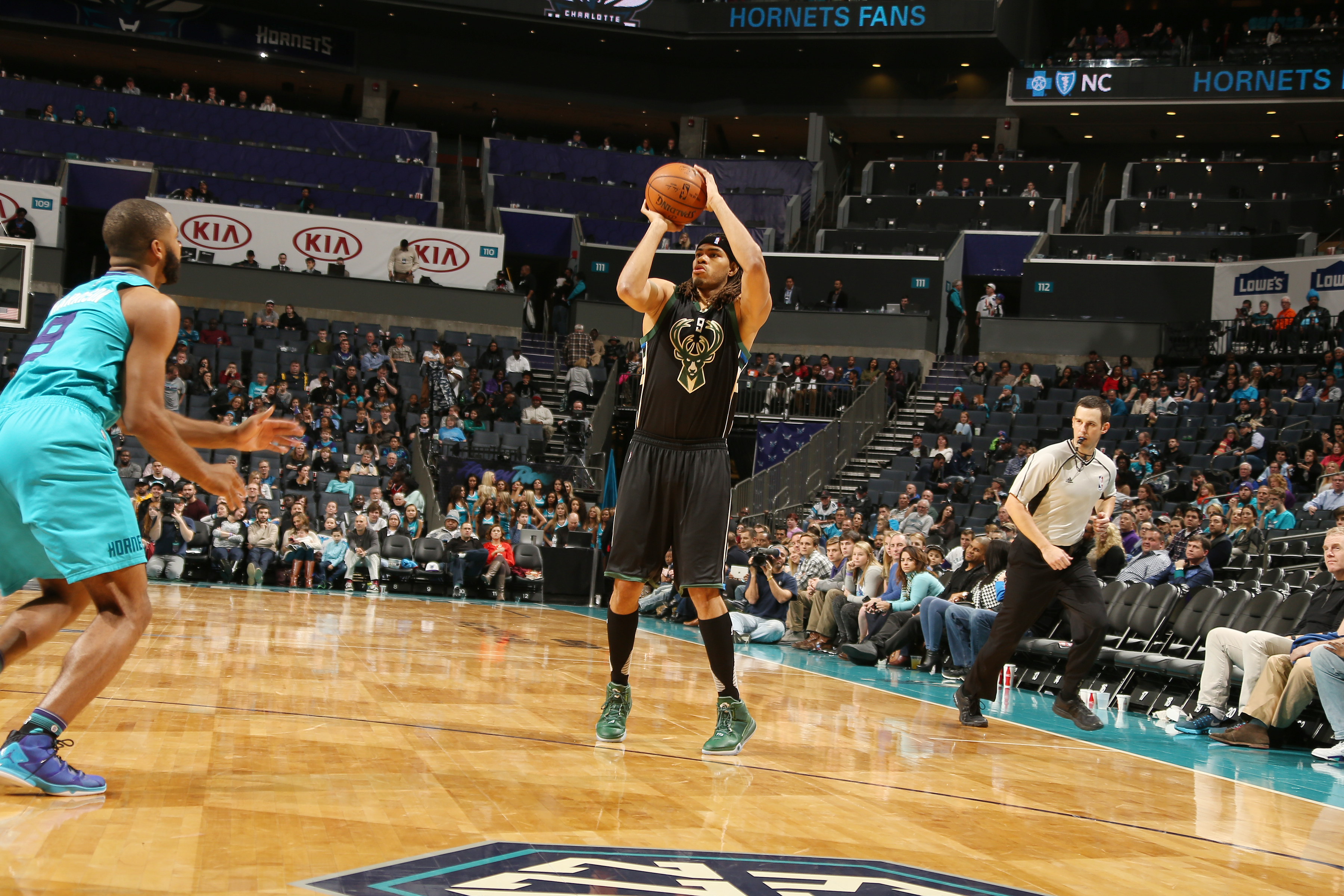 CHARLOTTE, NC - JANUARY 16:  Chris Copeland #9 of the Milwaukee Bucks shoots the ball against the Charlotte Hornets on January 16, 2016 at Time Warner Cable Arena in Charlotte, North Carolina. (Photo by Kent Smith/NBAE via Getty Images)