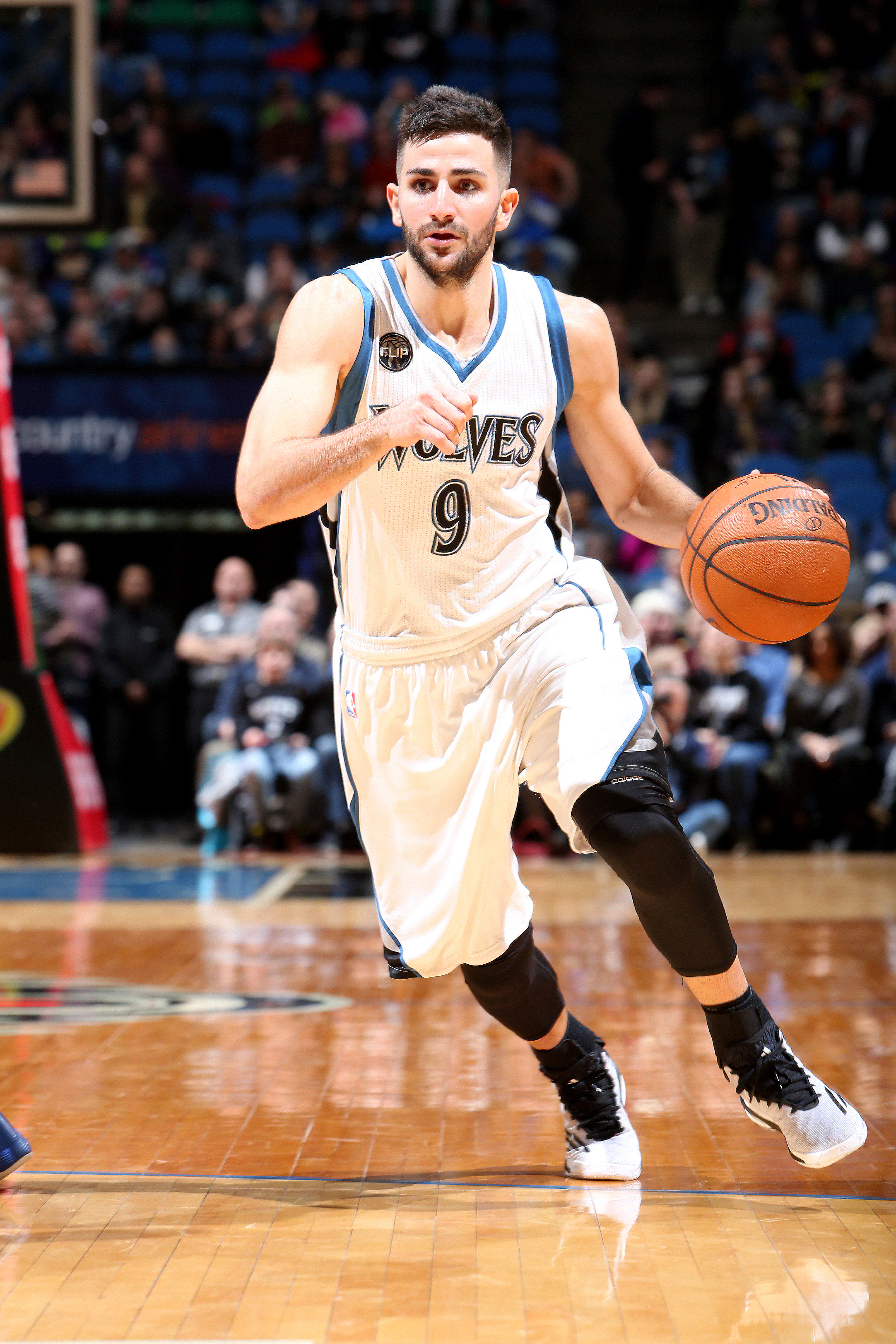 MINNEAPOLIS, MN - JANUARY 17: Ricky Rubio #9 of the Minnesota Timberwolves handles the ball during the game against the Phoenix Suns on January 17, 2016 at Target Center in Minneapolis, Minnesota. (Photo by David Sherman/NBAE via Getty Images)