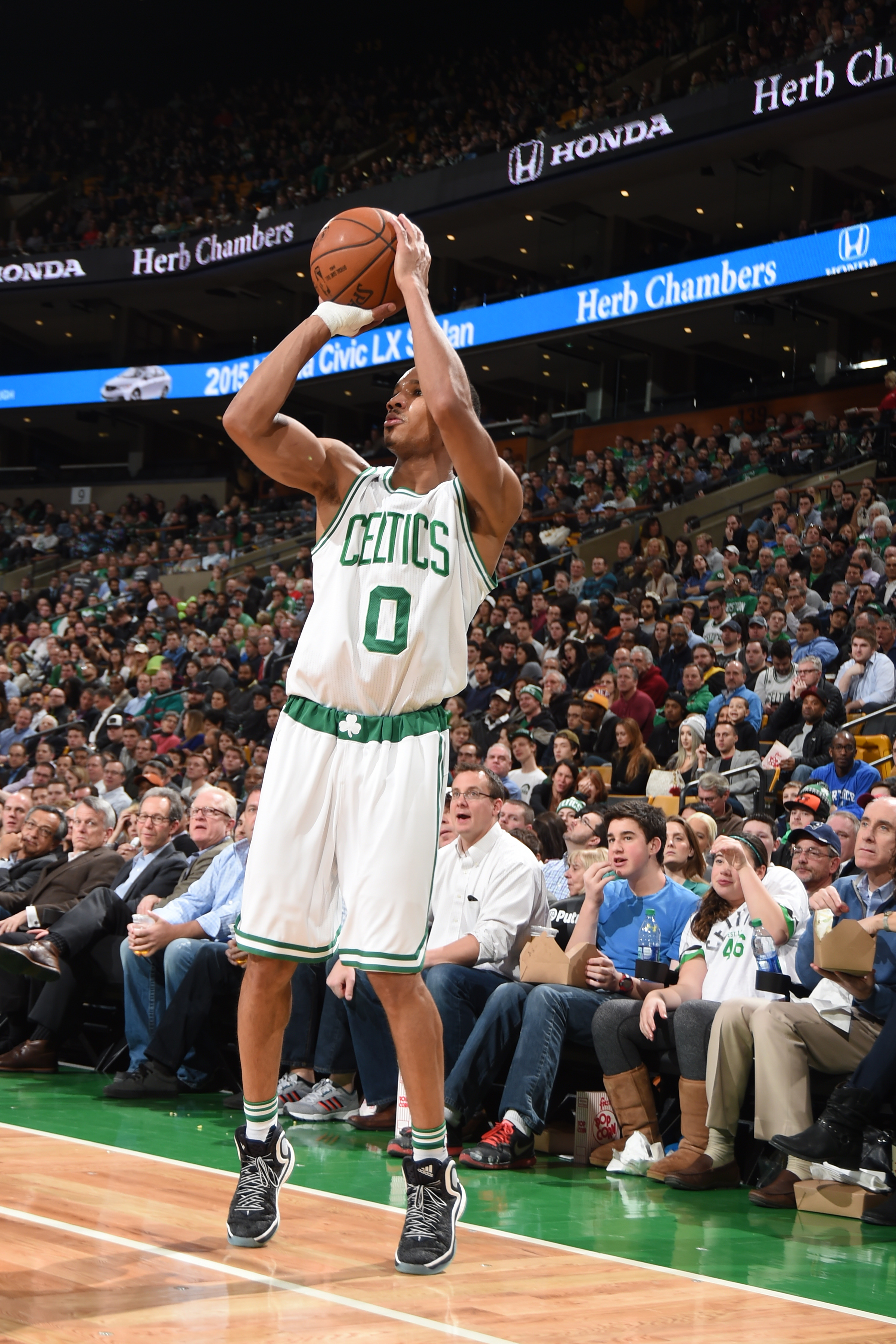 BOSTON, MA - JANUARY 27:  Avery Bradley #0 of the Boston Celtics shoots the ball against the Denver Nuggets on January 27, 2016 at the TD Garden in Boston, Massachusetts.  (Photo by Steve Babineau/NBAE via Getty Images)