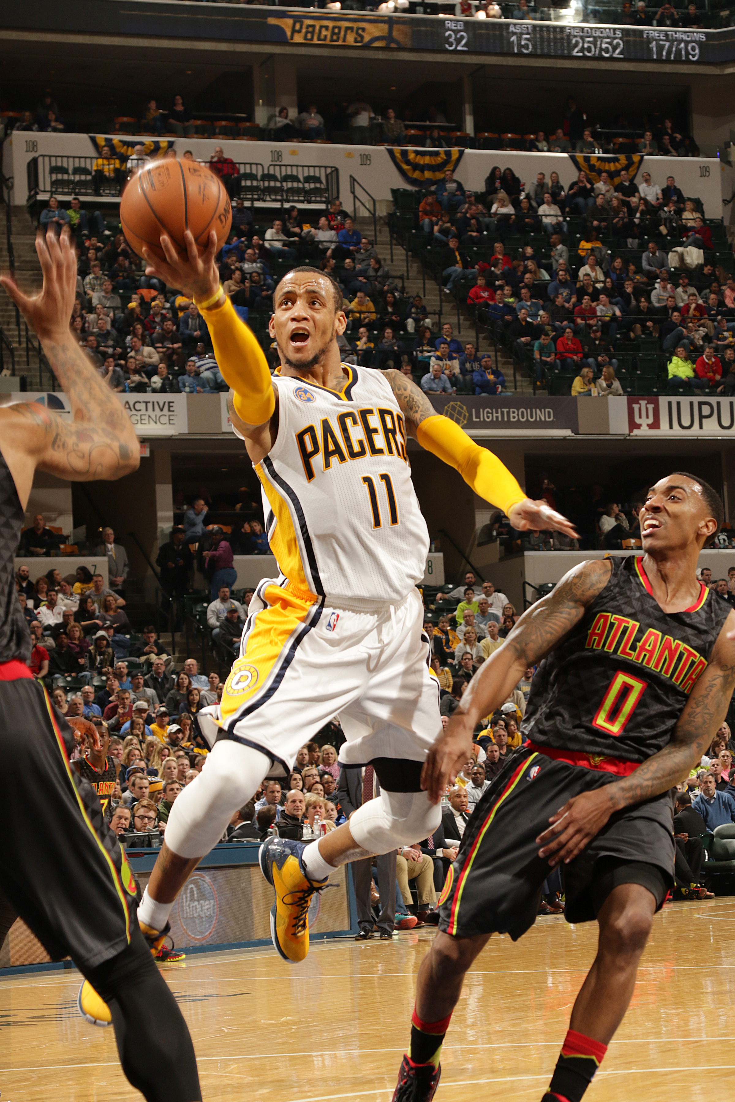 INDIANAPOLIS, IN - JANUARY 28:  Monta Ellis #11 of the Indiana Pacers shoots the ball against the Atlanta Hawks on January 28, 2016 at Bankers Life Fieldhouse in Indianapolis, Indiana. (Photo by Ron Hoskins/NBAE via Getty Images)