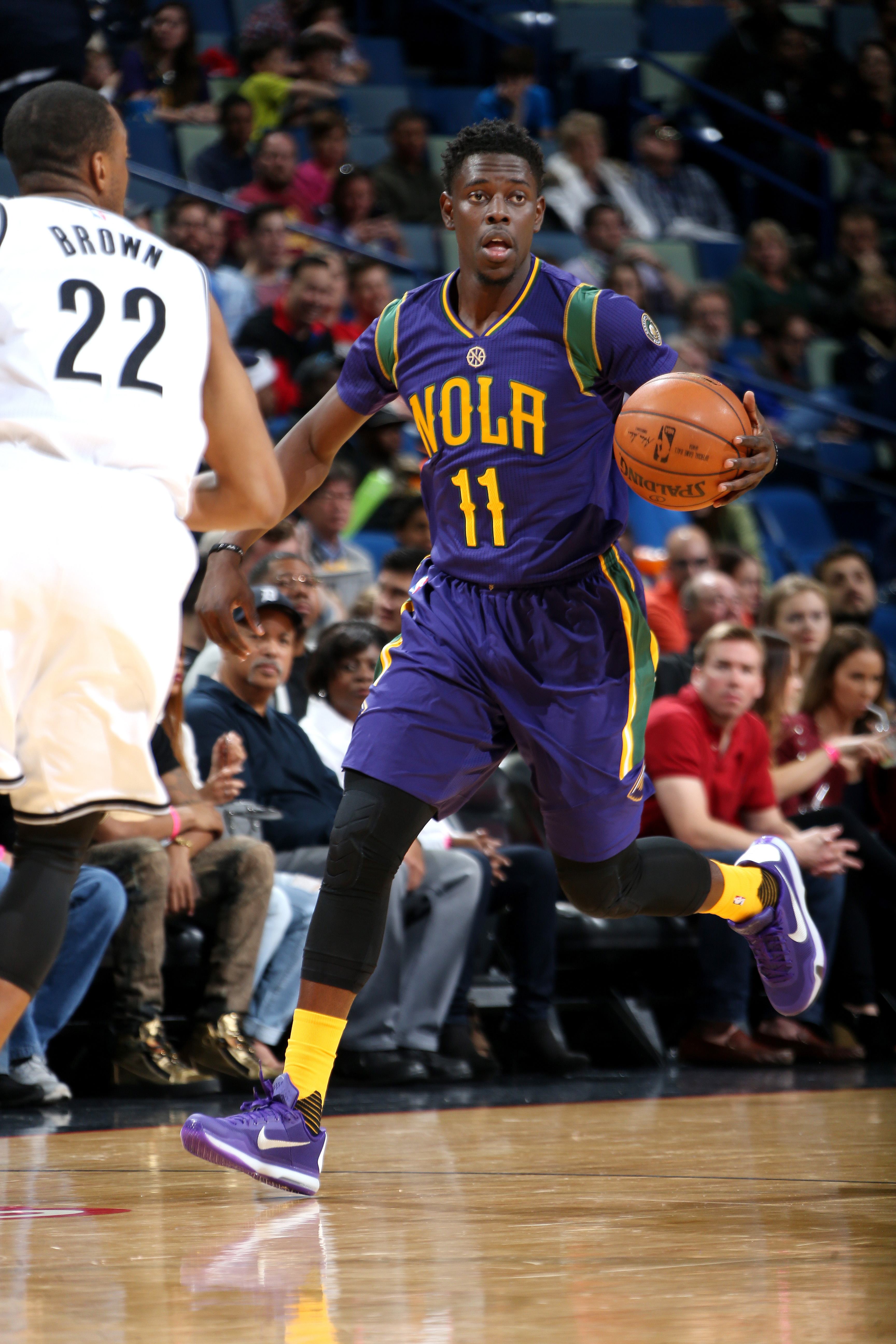 NEW ORLEANS, LA - JANUARY 30: Jrue Holiday #11 of the New Orleans Pelicans handles the ball during the game against the Brooklyn Nets on January 30, 2016 at the Smoothie King Center in New Orleans, Louisiana. (Photo by Layne Murdoch Jr./NBAE via Getty Ima