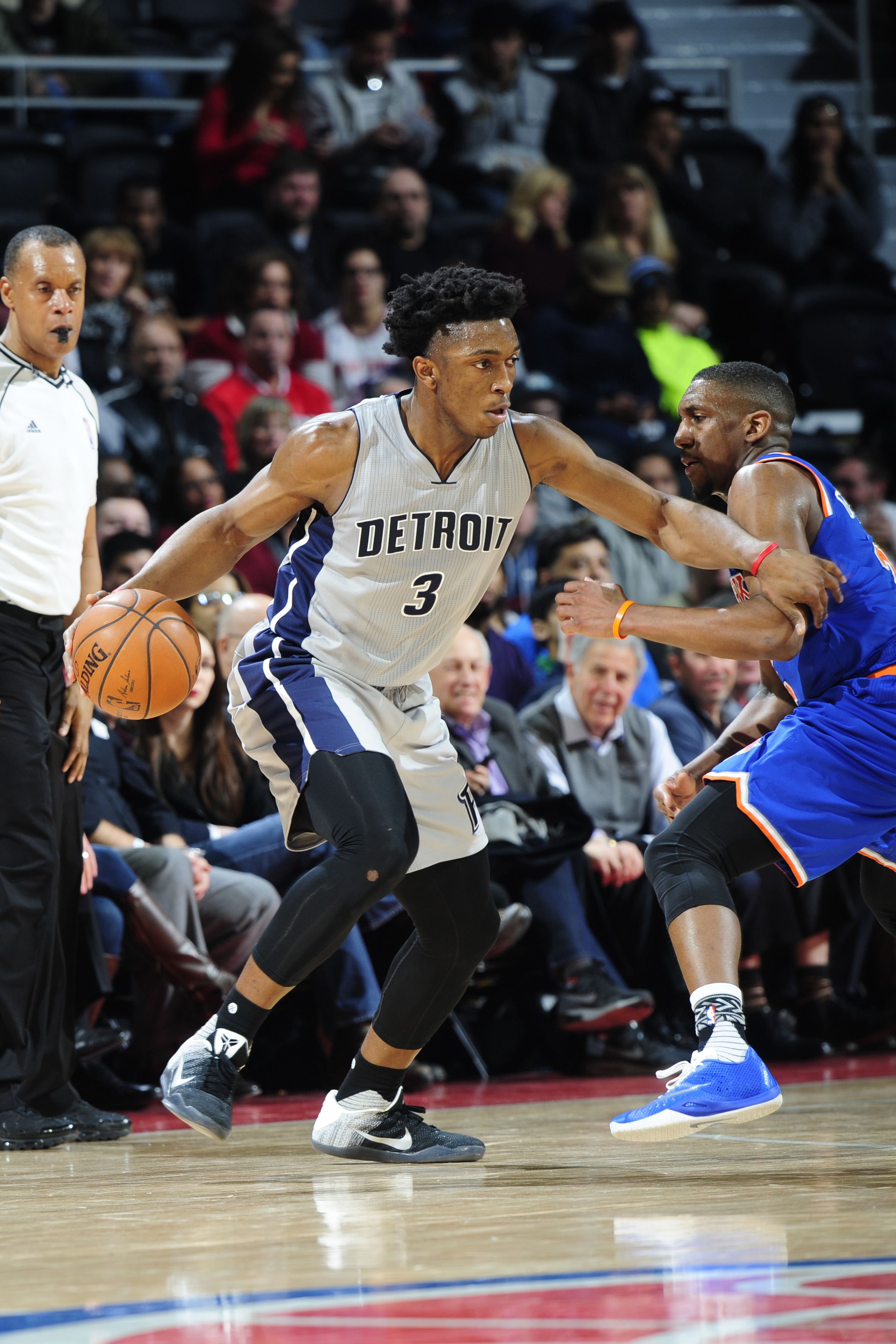 AUBURN HILLS, MI - FEBRUARY 4: Stanley Johnson #3 of the Detroit Pistons handles the ball against the New York Knicks on February 4, 2016 at The Palace of Auburn Hills in Auburn Hills, Michigan. (Photo by Allen Einstein/NBAE via Getty Images)