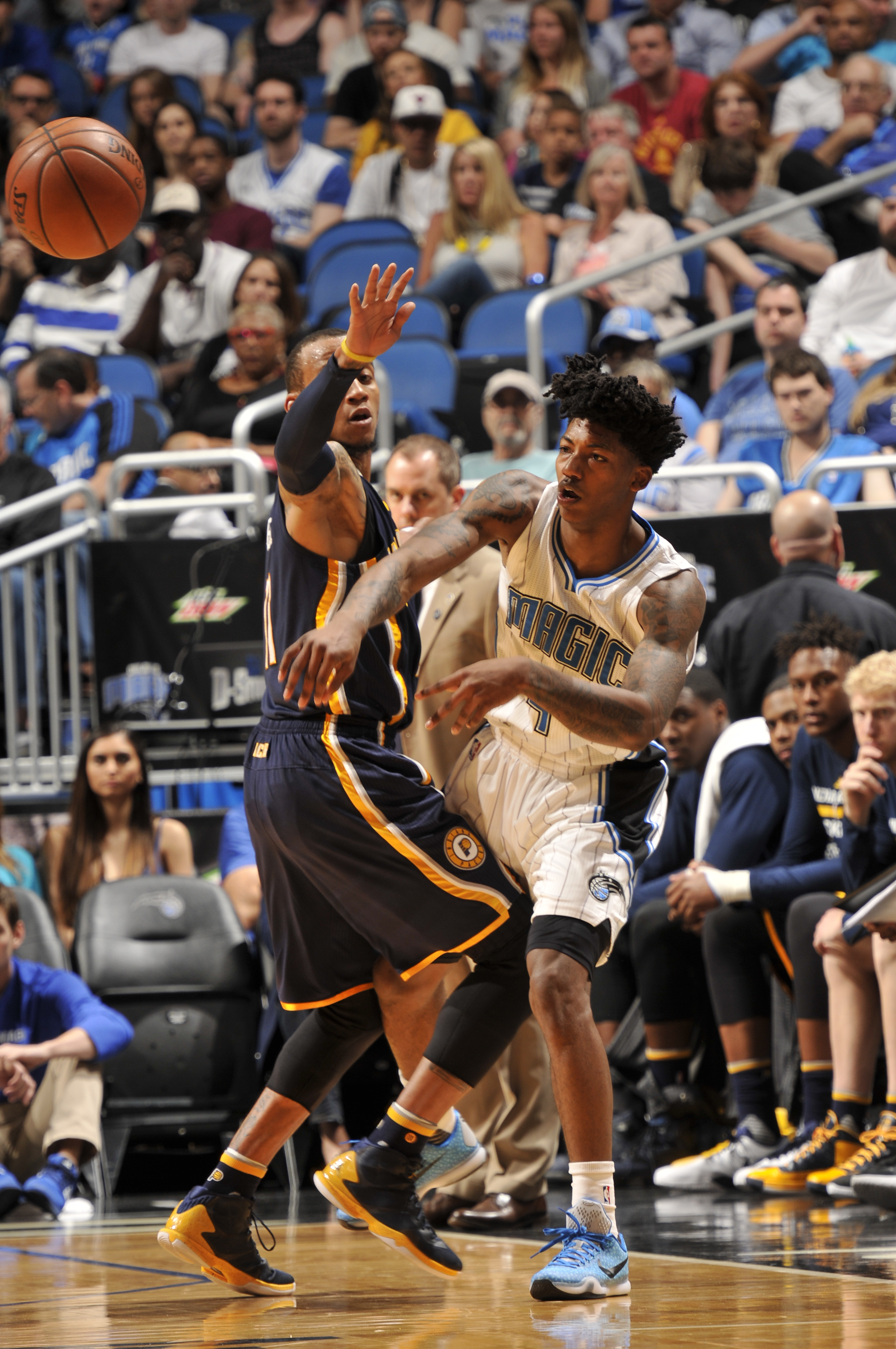 ORLANDO, FL - FEBRUARY 21: Elfrid Payton #4 of the Orlando Magic passes the ball against the Indiana Pacers  on February 21, 2016 at the Amway Center in Orlando, Florida. (Photo by Fernando Medina/NBAE via Getty Images)