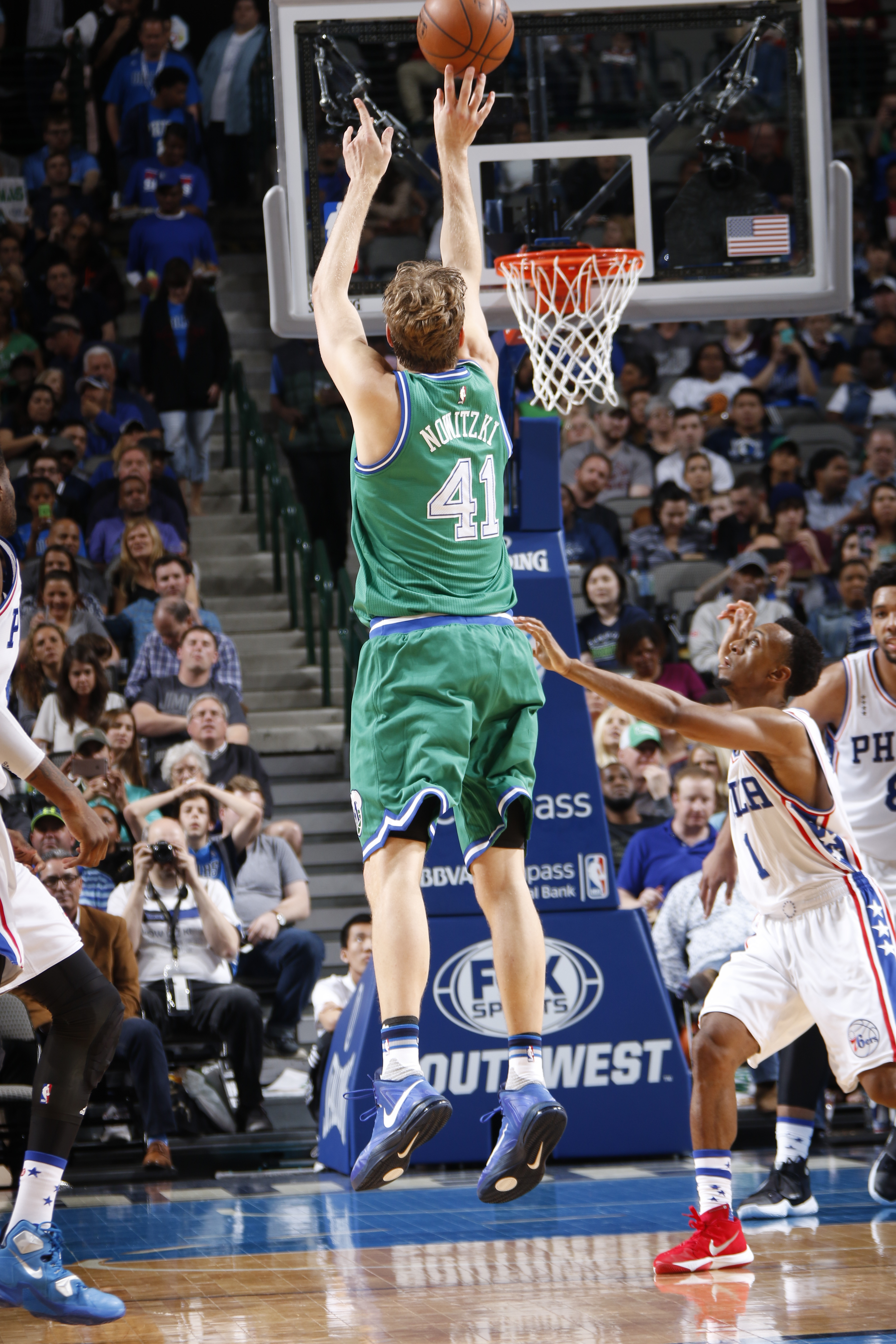 DALLAS, TX - FEBRUARY 21: Dirk Nowitzki #41 of the Dallas Mavericks shoots a jumper, moving him above 29,000 points for his career against the Philadelphia 76ers on February 21, 2016 at the American Airlines Center in Dallas, Texas. (Photo by Glenn James/