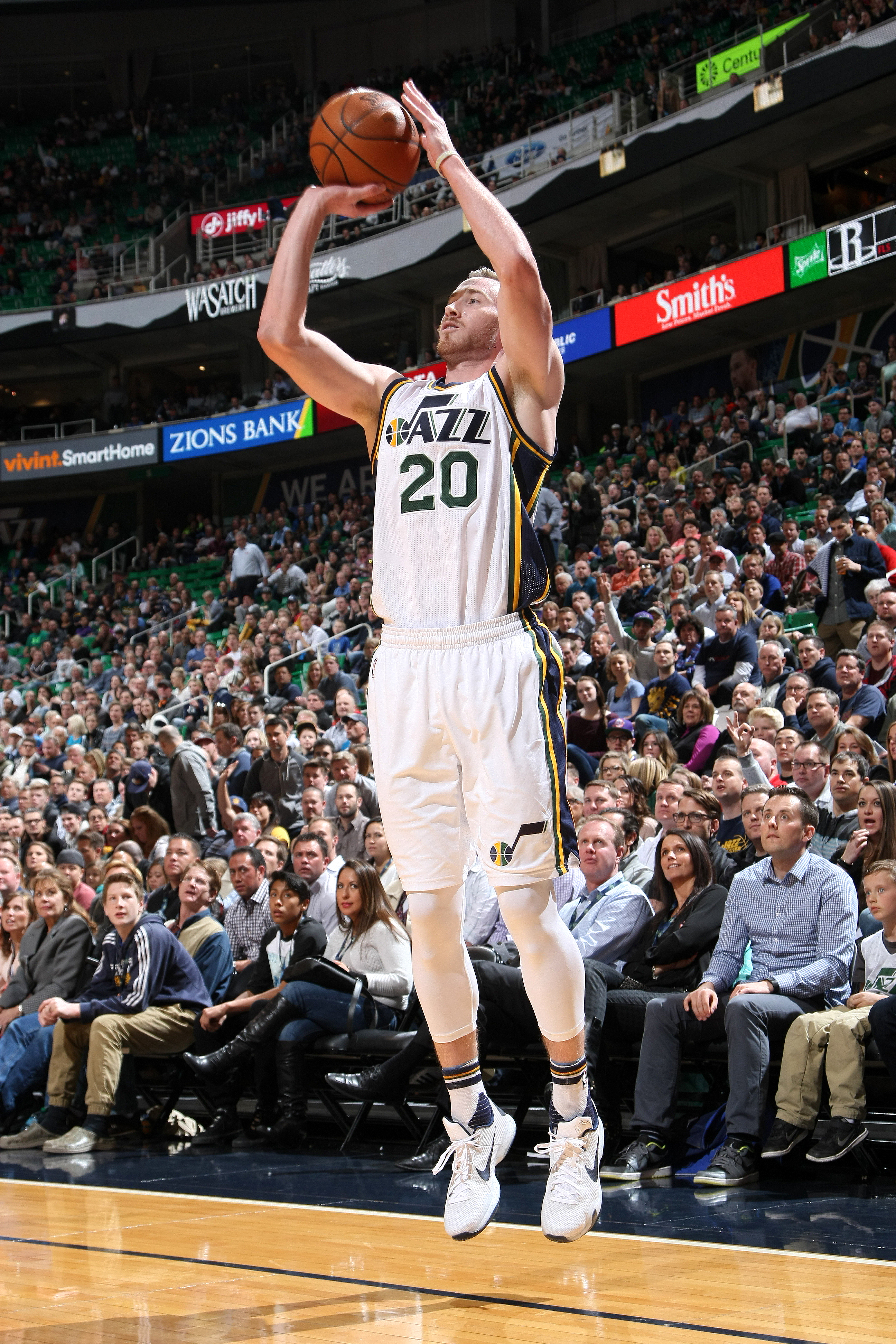 SALT LAKE CITY, UT - FEBRUARY 23: Gordon Hayward #20 of the Utah Jazz shoots the ball during the game against the Houston Rockets on February 23, 2016 at EnergySolutions Arena in Salt Lake City, Utah. (Photo by Melissa Majchrzak/NBAE via Getty Images)