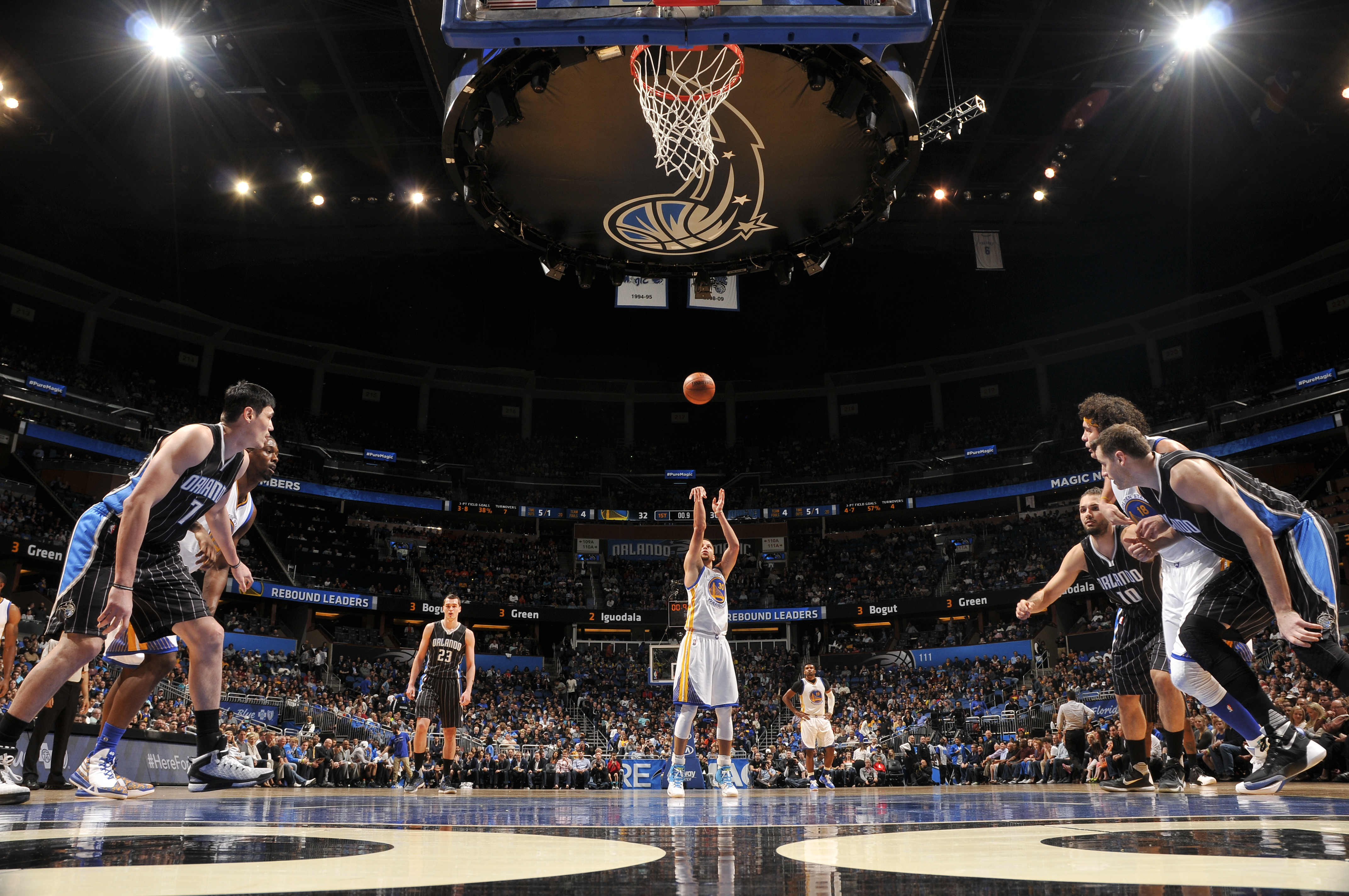 ORLANDO, FL - FEBRUARY 25:  Stephen Curry #30 of the Golden State Warriors prepares to shoot a free throw against the Orlando Magic on February 25, 2016 at Amway Center in Orlando, Florida. (Photo by Fernando Medina/NBAE via Getty Images)