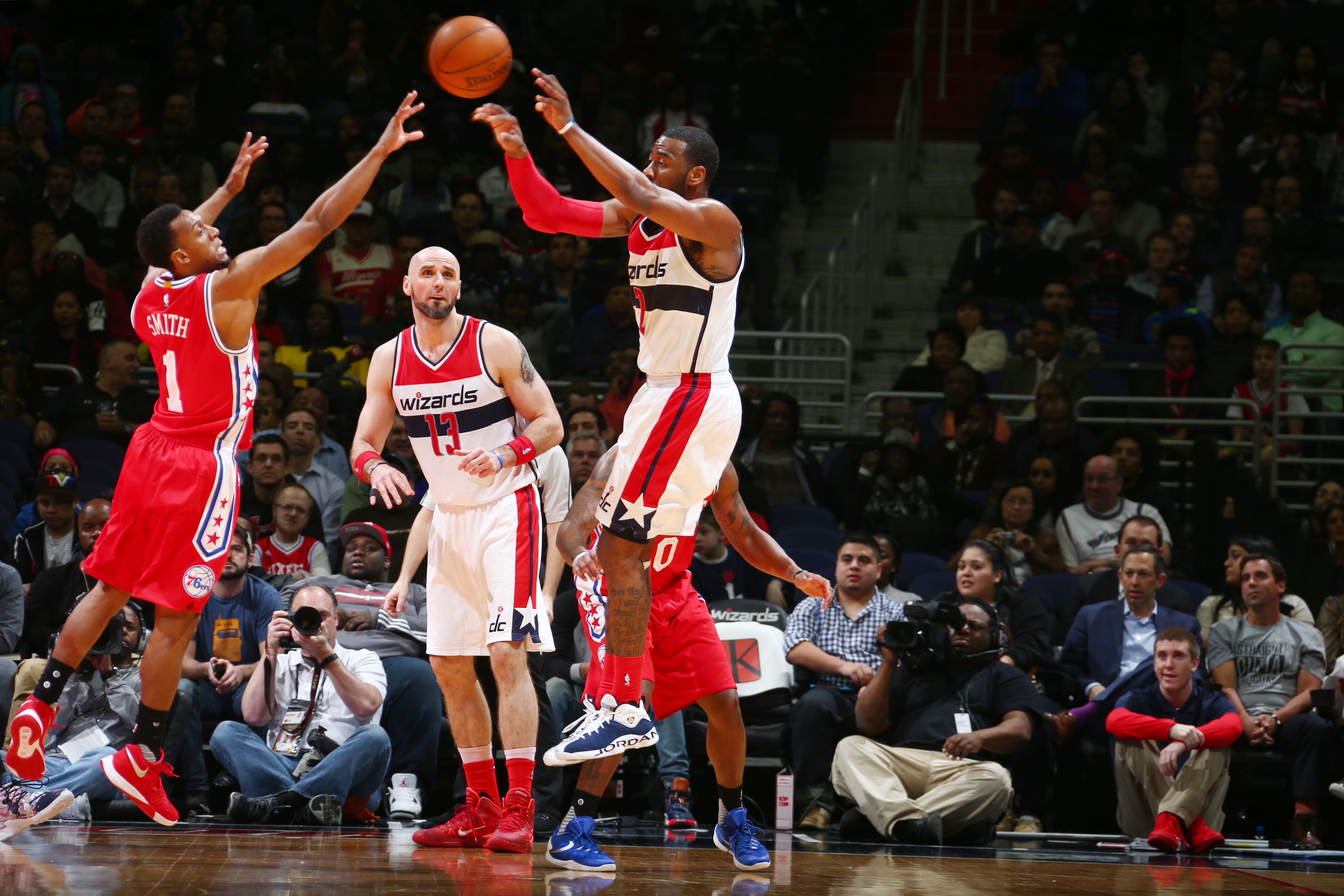 WASHINGTON, DC - FEBRUARY 29: John Wall #2 of the Washington Wizards passes the ball against the Philadelphia 76ers during the game on February 29, 2016 at Verizon Center in Washington, District of Columbia. (Photo by Ned Dishman/NBAE via Getty Images)