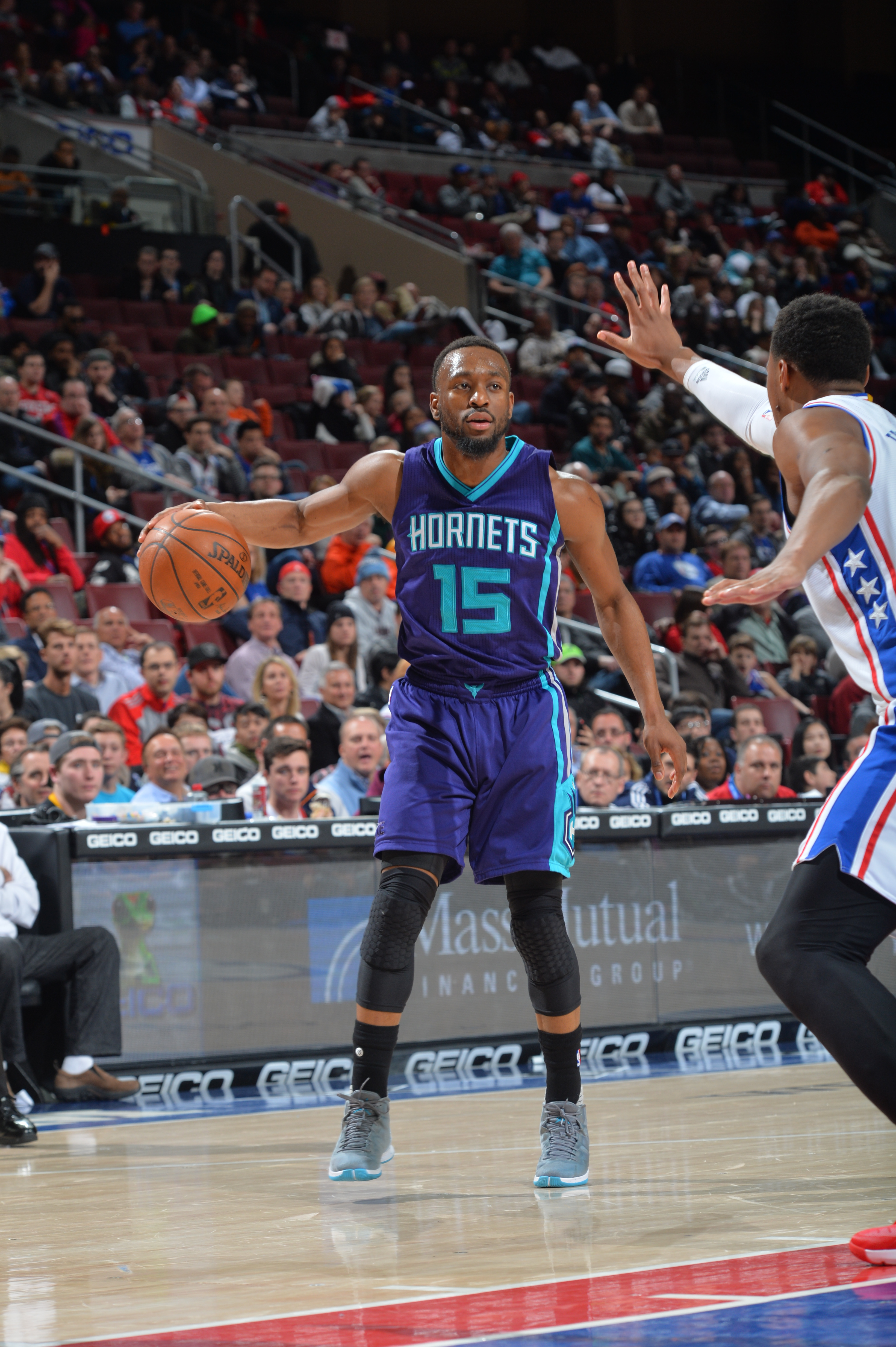 PHILADELPHIA,PA - MARCH 2:  Kemba Walker #15 of the Charlotte Hornets controls the ball against the Philadelphia 76ers at Wells Fargo Center on March 2, 2016 in Philadelphia, Pennsylvania (Photo by Jesse D. Garrabrant/NBAE via Getty Images)