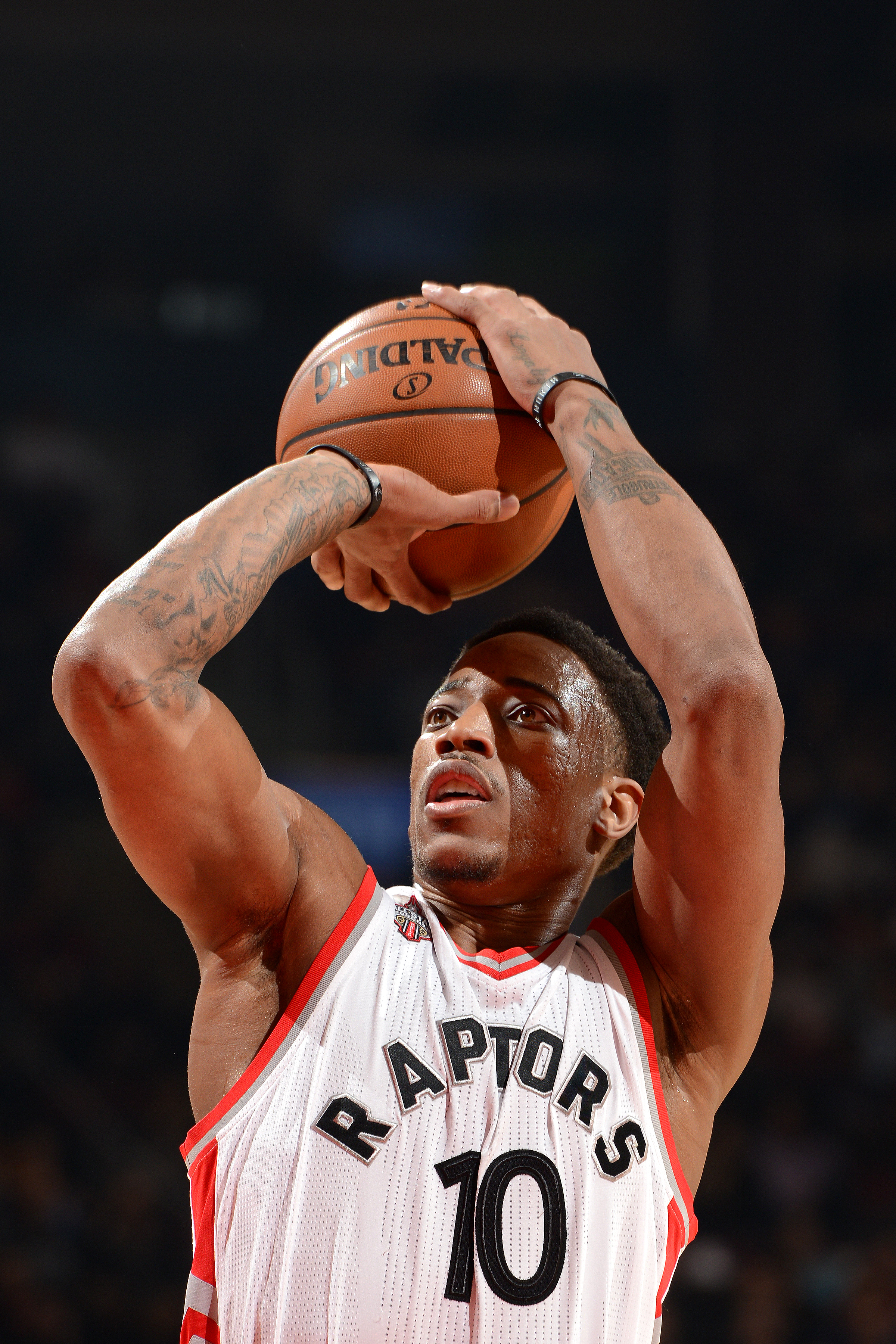 TORONTO, CANADA - MARCH 4: DeMar DeRozan #10 of the Toronto Raptors shoots a free throw during the game against the Portland Trail Blazers on March 4, 2016 at the Air Canada Centre in Toronto, Ontario, Canada.  (Photo by Ron Turenne/NBAE via Getty Images)