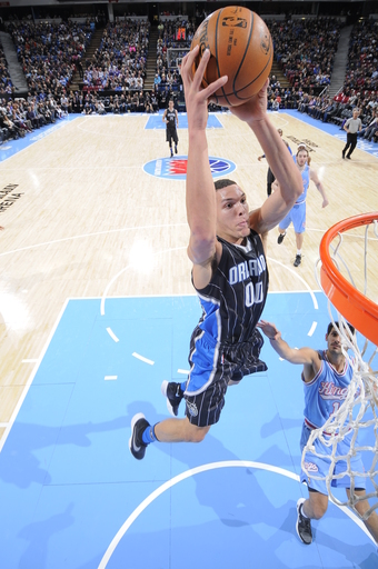 SACRAMENTO, CA  - MARCH 11: Aaron Gordon #00 of the Orlando Magic goes for the lay up against the Sacramento Kings during the game on March 11, 2016 at Sleep Train Arena in Sacramento, California. (Photo by Rocky Widner/NBAE via Getty Images)