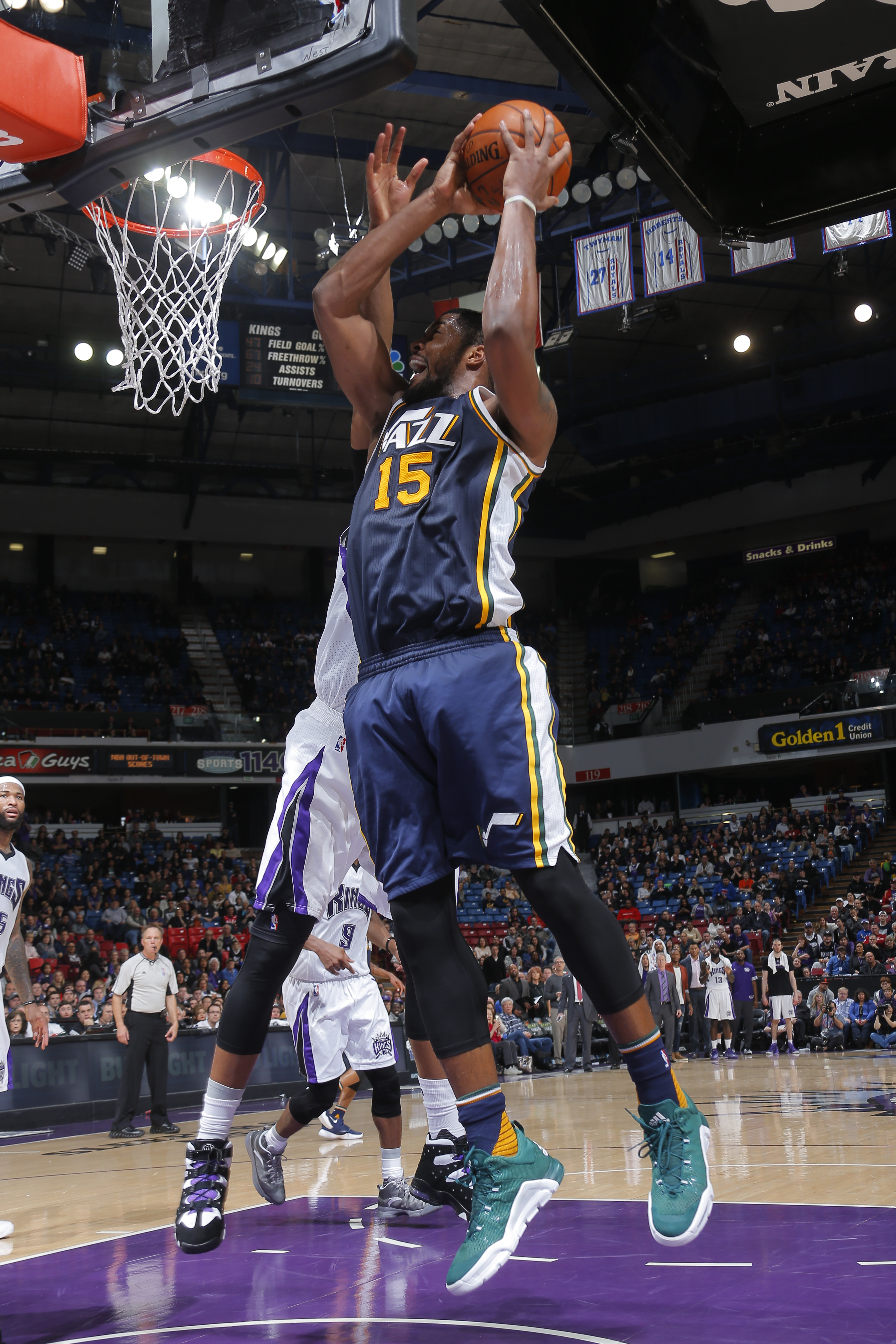 SACRAMENTO, CA - MARCH 13:  Derrick Favors #15 of the Utah Jazz goes to the basket against the Sacramento Kings on March 13, 2016 at Sleep Train Arena in Sacramento, California. (Photo by Rocky Widner/NBAE via Getty Images)