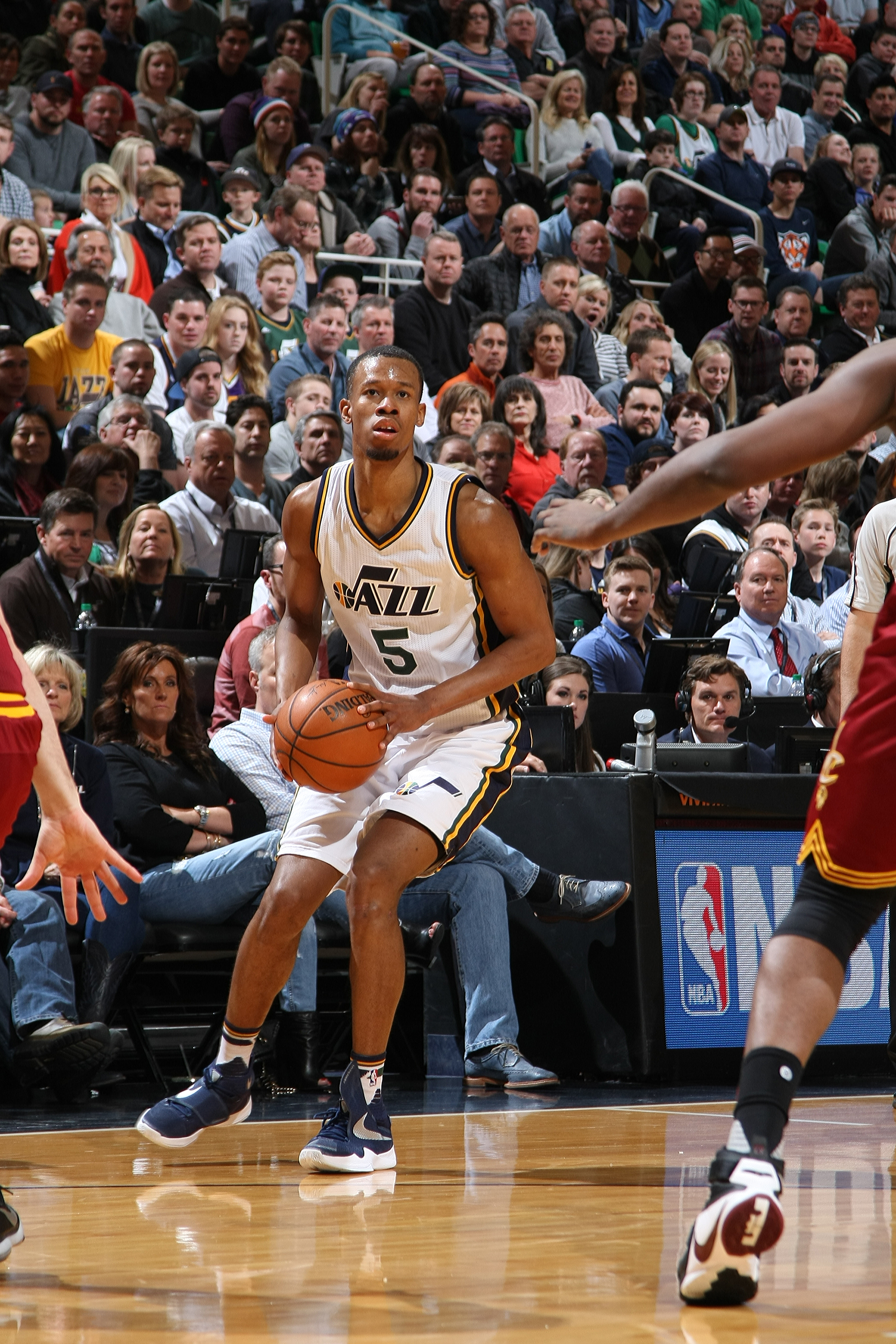 SALT LAKE CITY, UT - MARCH 14: Rodney Hood #5 of the Utah Jazz handles the ball against the Cleveland Cavaliers on March 14, 2016 at vivint.SmartHome Arena in Salt Lake City, Utah. (Photo by Melissa Majchrzak/NBAE via Getty Images)