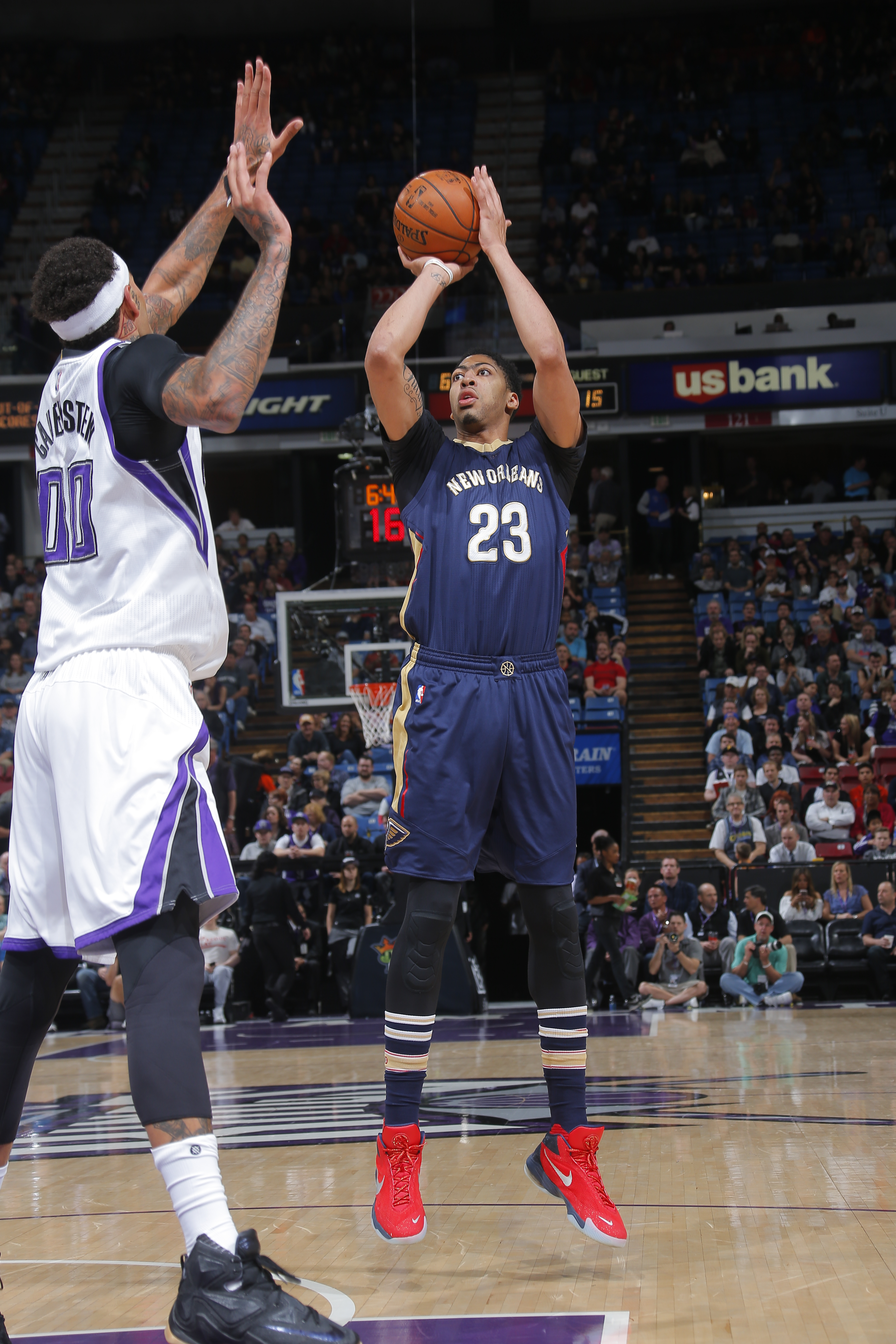 SACRAMENTO, CA  MARCH 16: Anthony Davis #23 of the New Orleans Pelicans shoots the ball against the Sacramento Kings on March 16, 2016 at Sleep Train Arena in Sacramento, California. (Photo by Rocky Widner/NBAE via Getty Images)