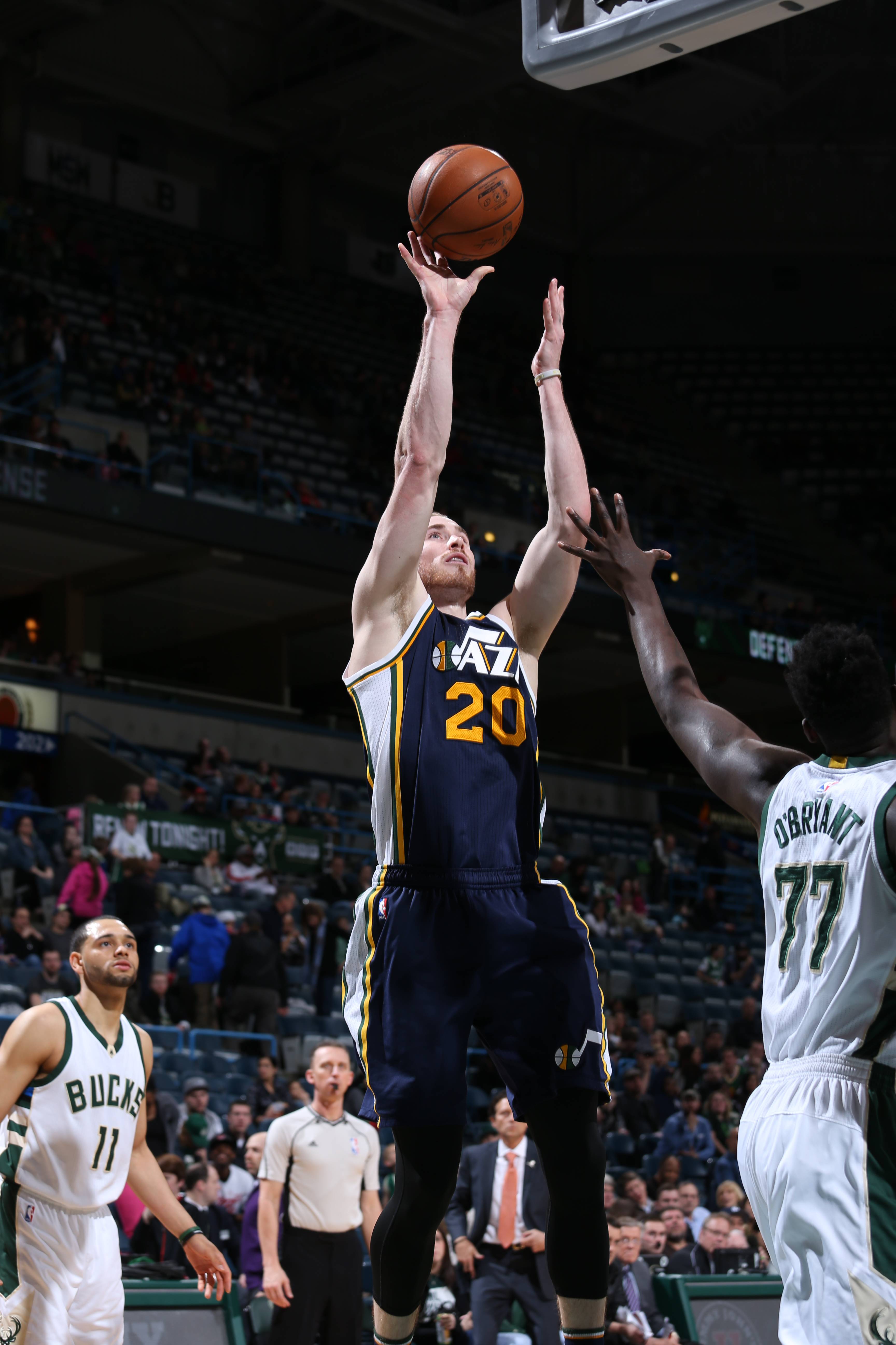Milwaukee, WI - MARCH 20:  Gordon Hayward #20 of the Utah Jazz shoots the ball against the Milwaukee Bucks on March 20, 2016 at the BMO Harris Bradley Center in Milwaukee, Wisconsin. (Photo by Gary Dineen/NBAE via Getty Images)