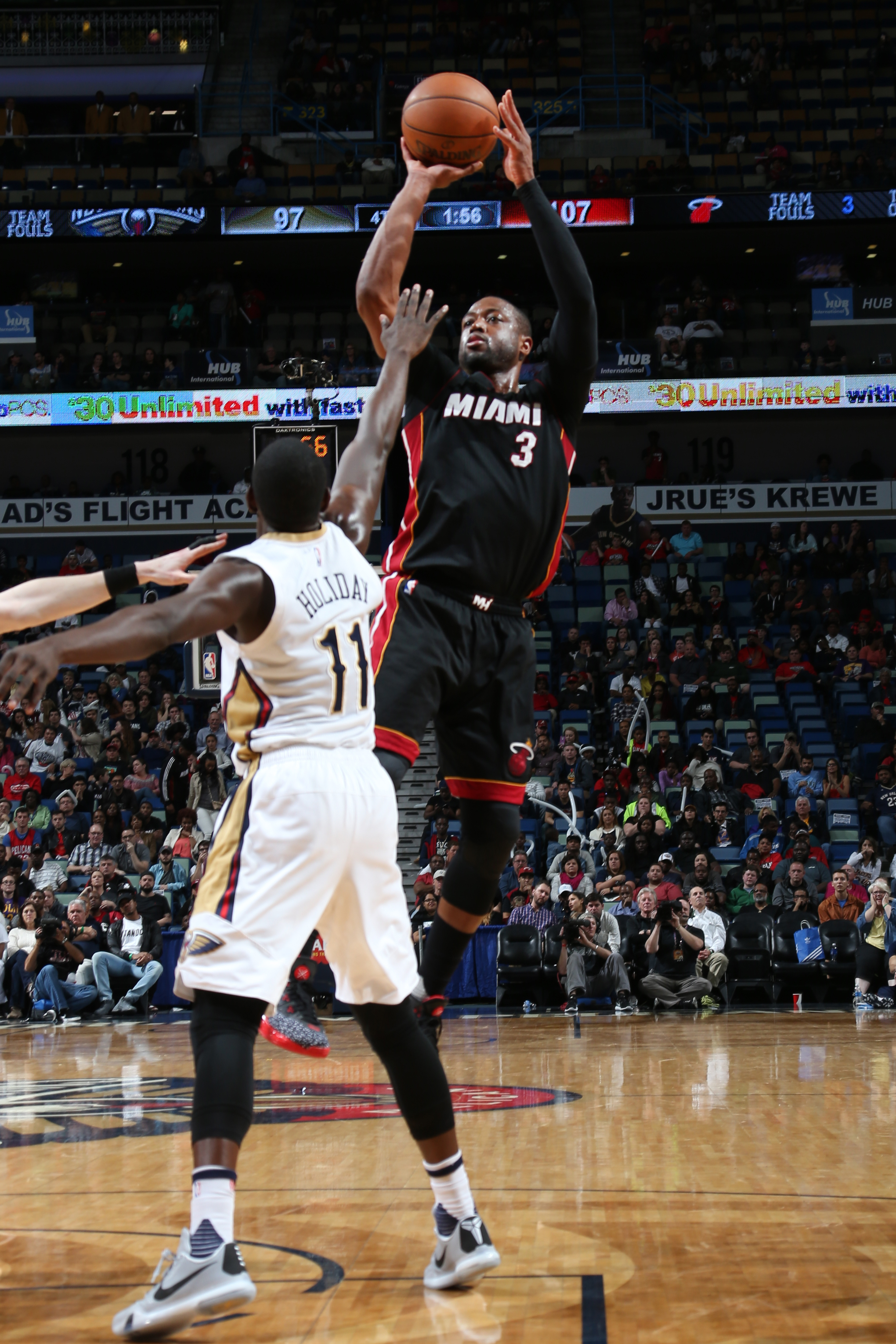 NEW ORLEANS, LA  - MARCH 22: Dwyane Wade #3 of the Miami Heat shoots against the New Orleans Pelicans during the game on March 22, 2016 at Smoothie King Center in New Orleans, Louisiana. (Photo by Layne Murdoch Jr./NBAE via Getty Images)