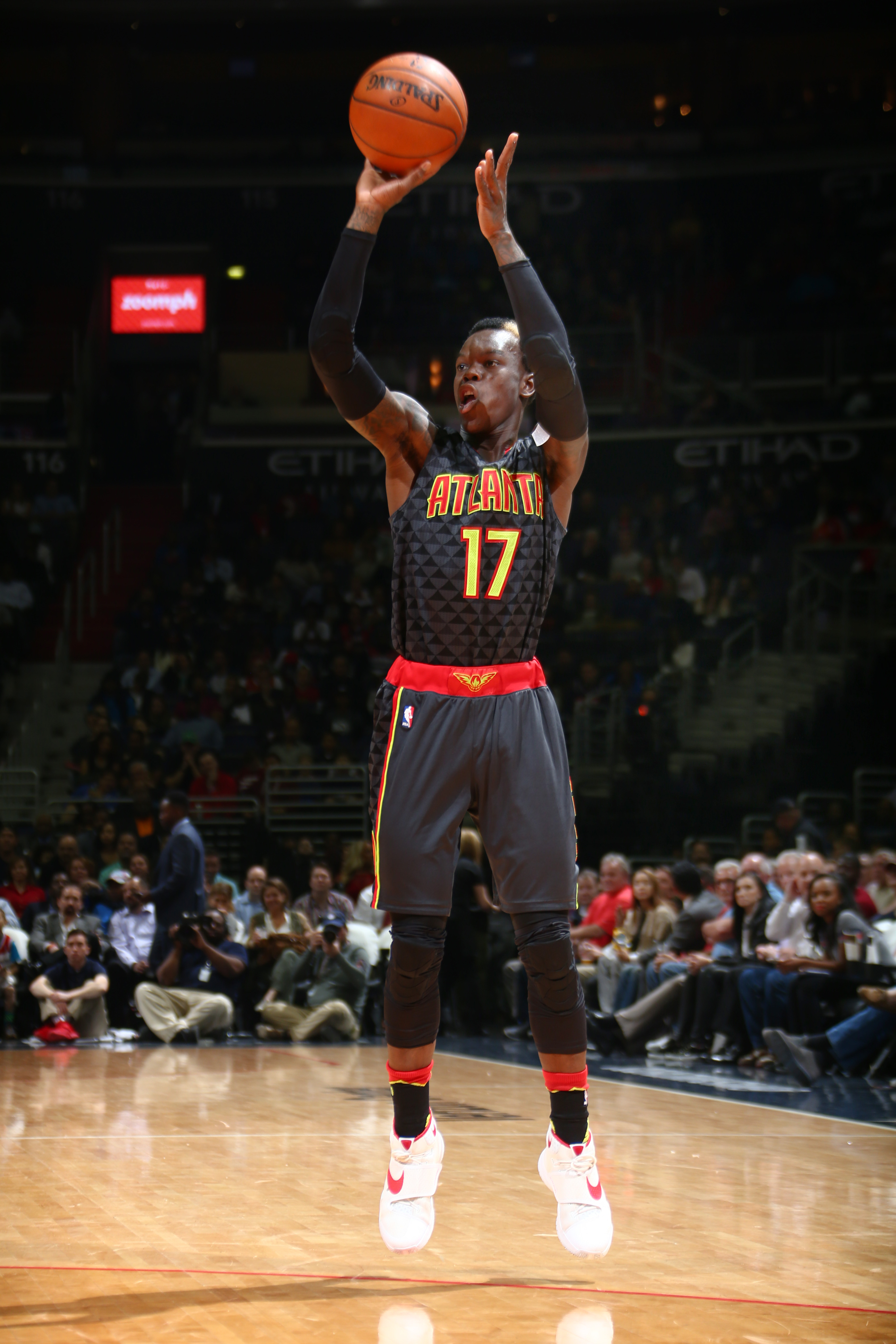 SAN ANTONIO, TX  - MARCH 23: Dennis Schroder #17 of the Atlanta Hawks shoots against the Washington Wizards during the game on March 23, 2016 at AT&T Center in San Antonio, Texas. (Photo by Chris Covatta/NBAE via Getty Images)
