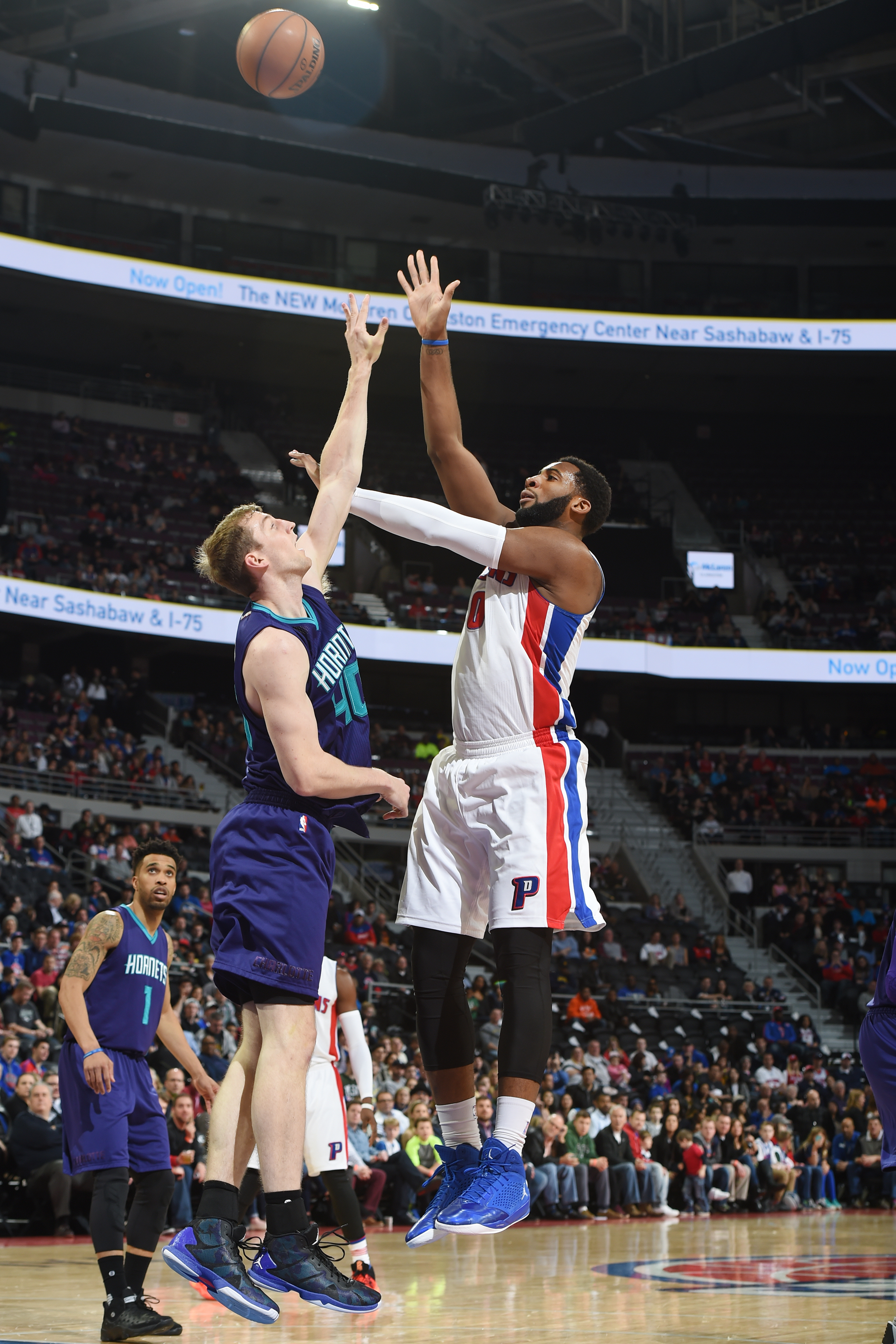 AUBURN HILLS, MI - MARCH 25:  Andre Drummond #0 of the Detroit Pistons shoots the ball against the Charlotte Hornets on March 25, 2016 at The Palace of Auburn Hills in Auburn Hills, Michigan. (Photo by Allen Einstein/NBAE via Getty Images)