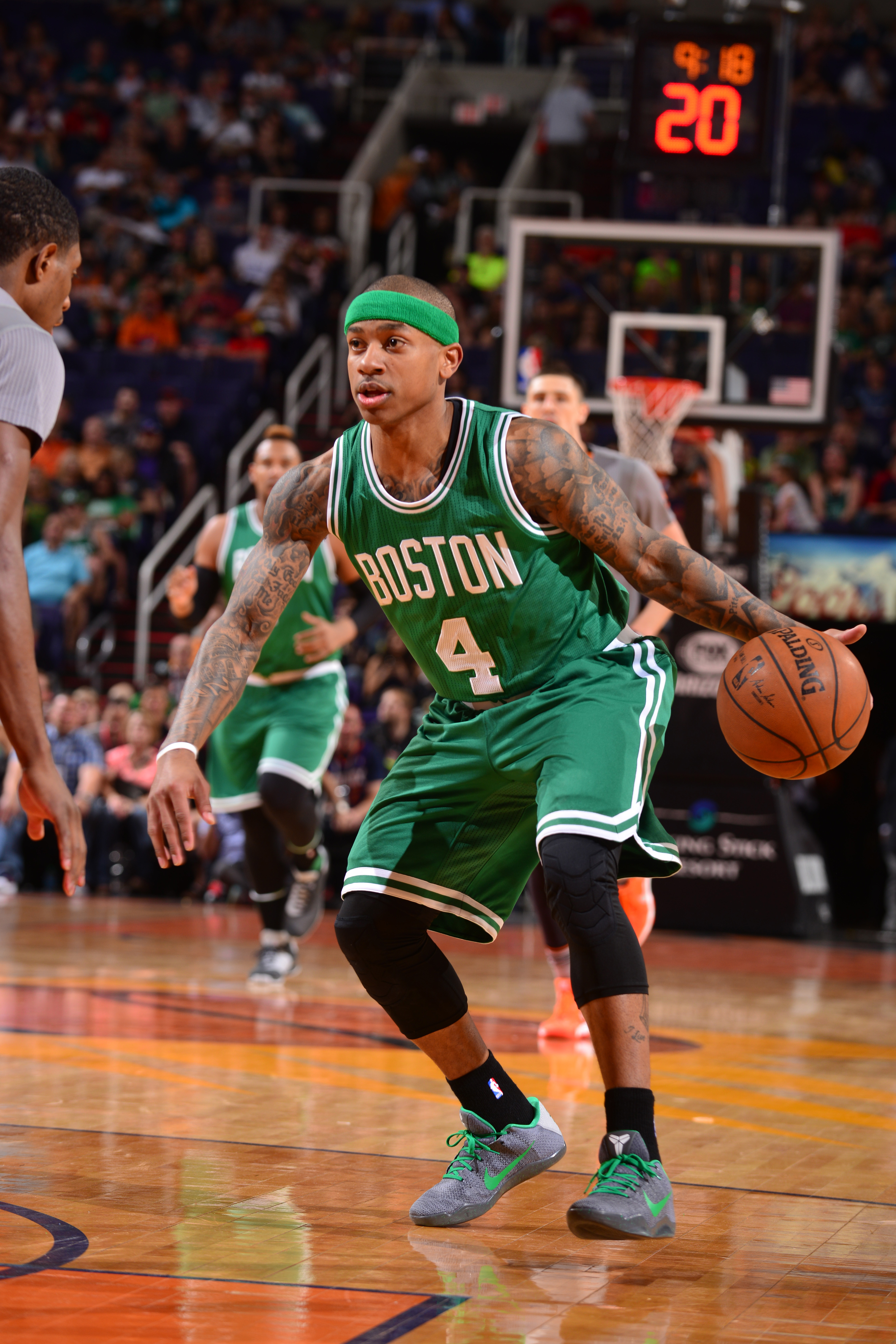 PHOENIX, AZ - MARCH 26:  Isaiah Thomas #4 of the Boston Celtics handles the ball against the Phoenix Suns on March 26, 2016 at Talking Stick Resort Arena in Phoenix, Arizona. (Photo by Barry Gossage/NBAE via Getty Images)